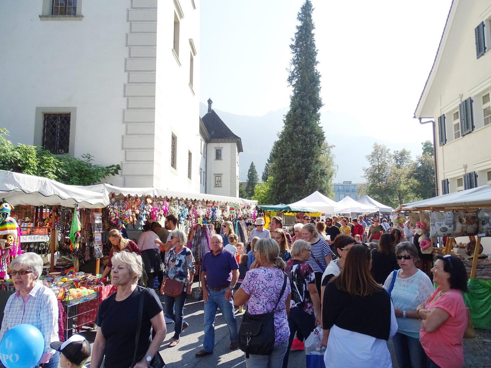 Der Emser Markt erwies sich auch heuer einmal mehr als Publikumsmagnet.