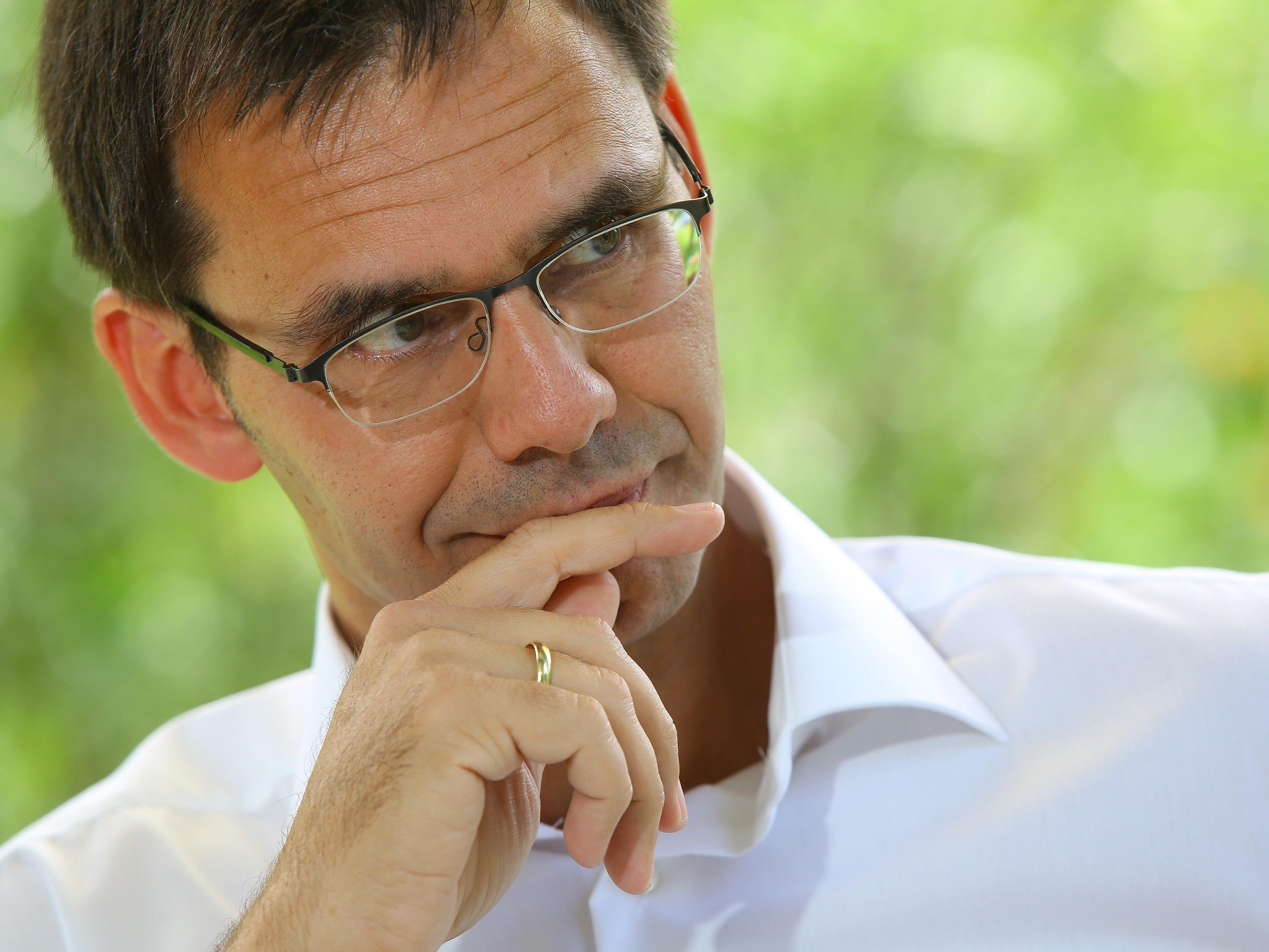 Landeshauptmann Wallner verlangt von Bund strikte Einhaltung der Obergrenze und Reform der Mindestsicherung.