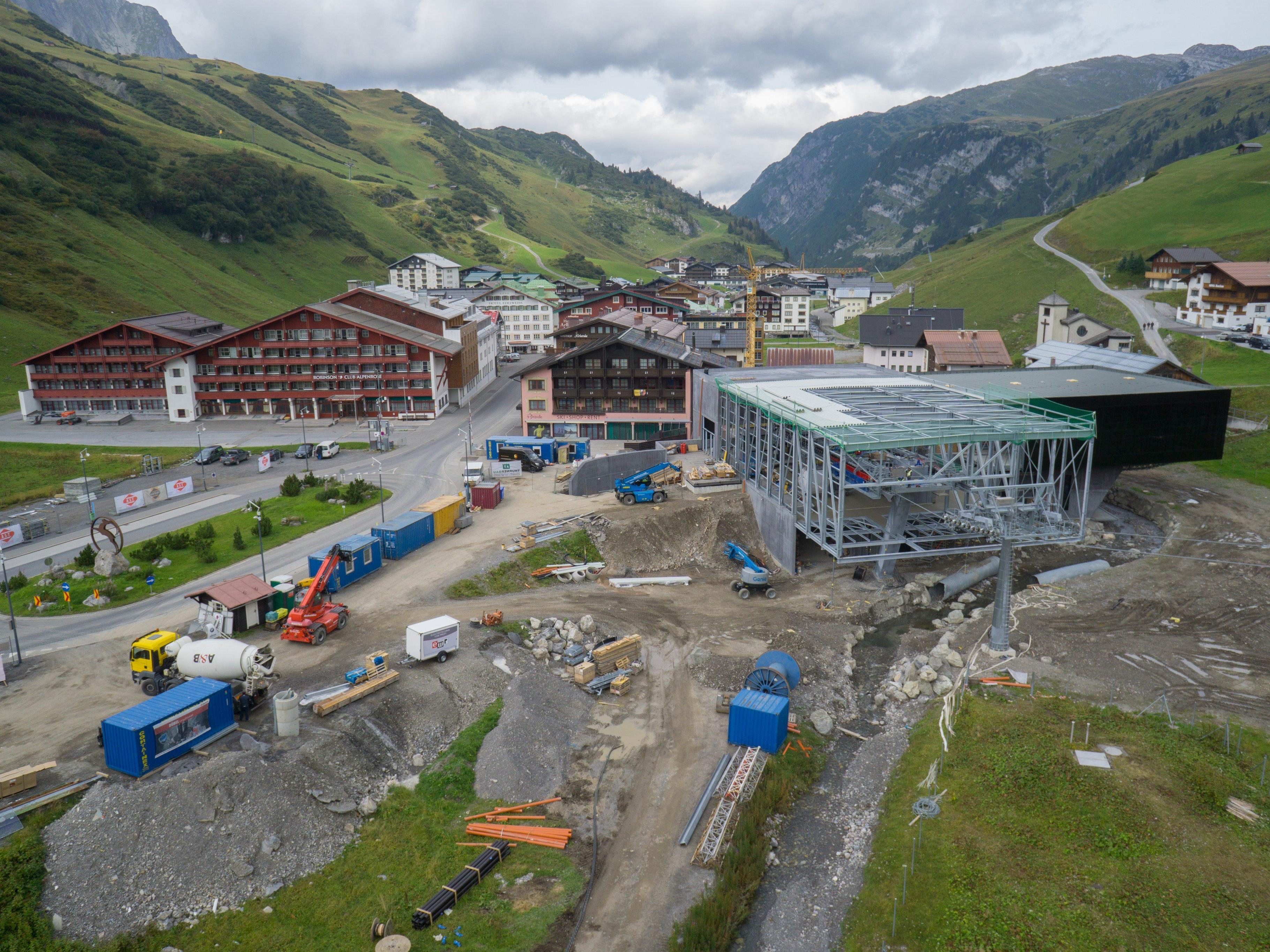 Am Arlberg sollen in der kommenden Wintersaison vier neue Liftanlagen in Betrieb gehen.