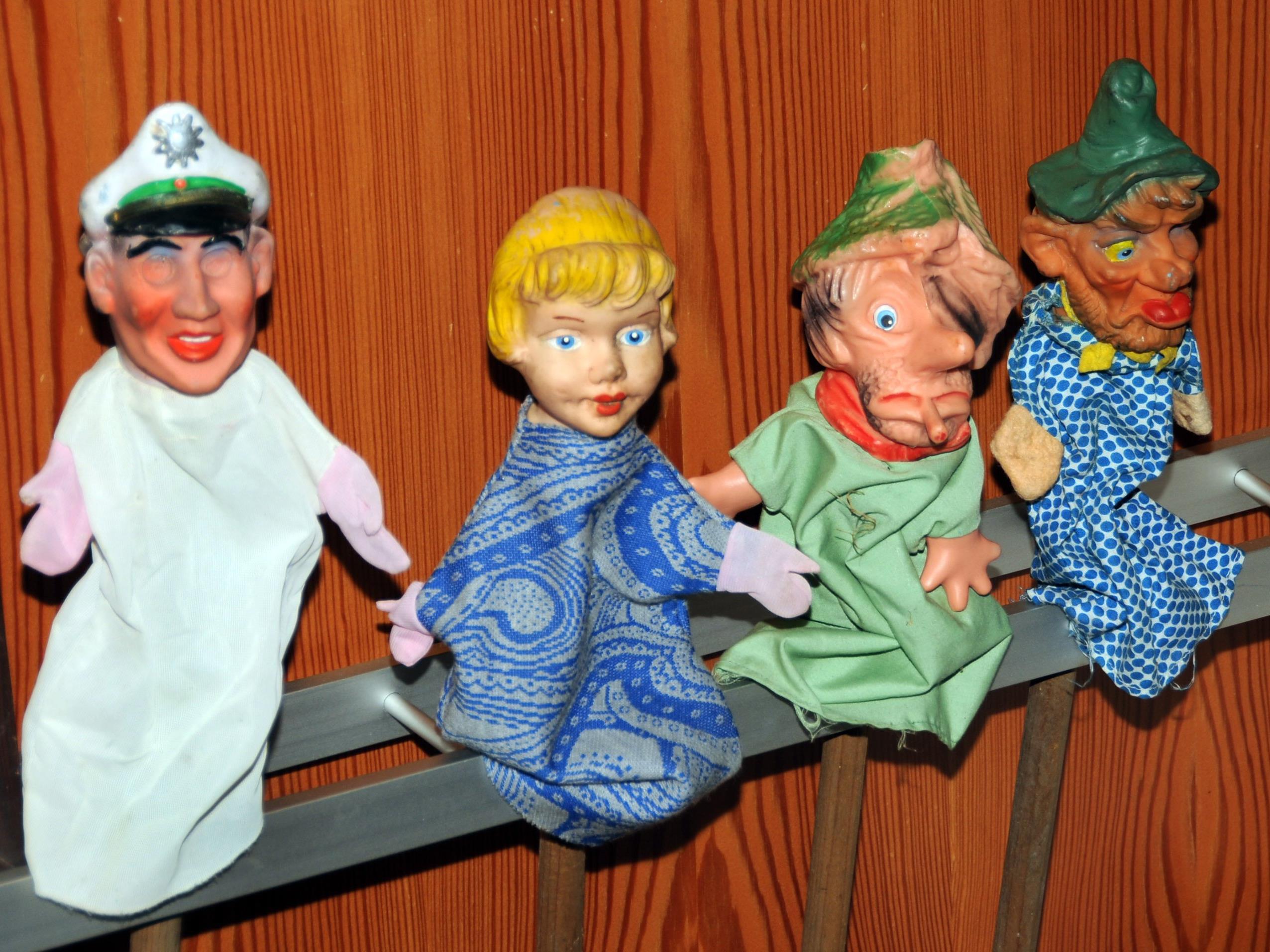 Kasperfiguren bei der Sammler- und Tauschbörse in Höchst