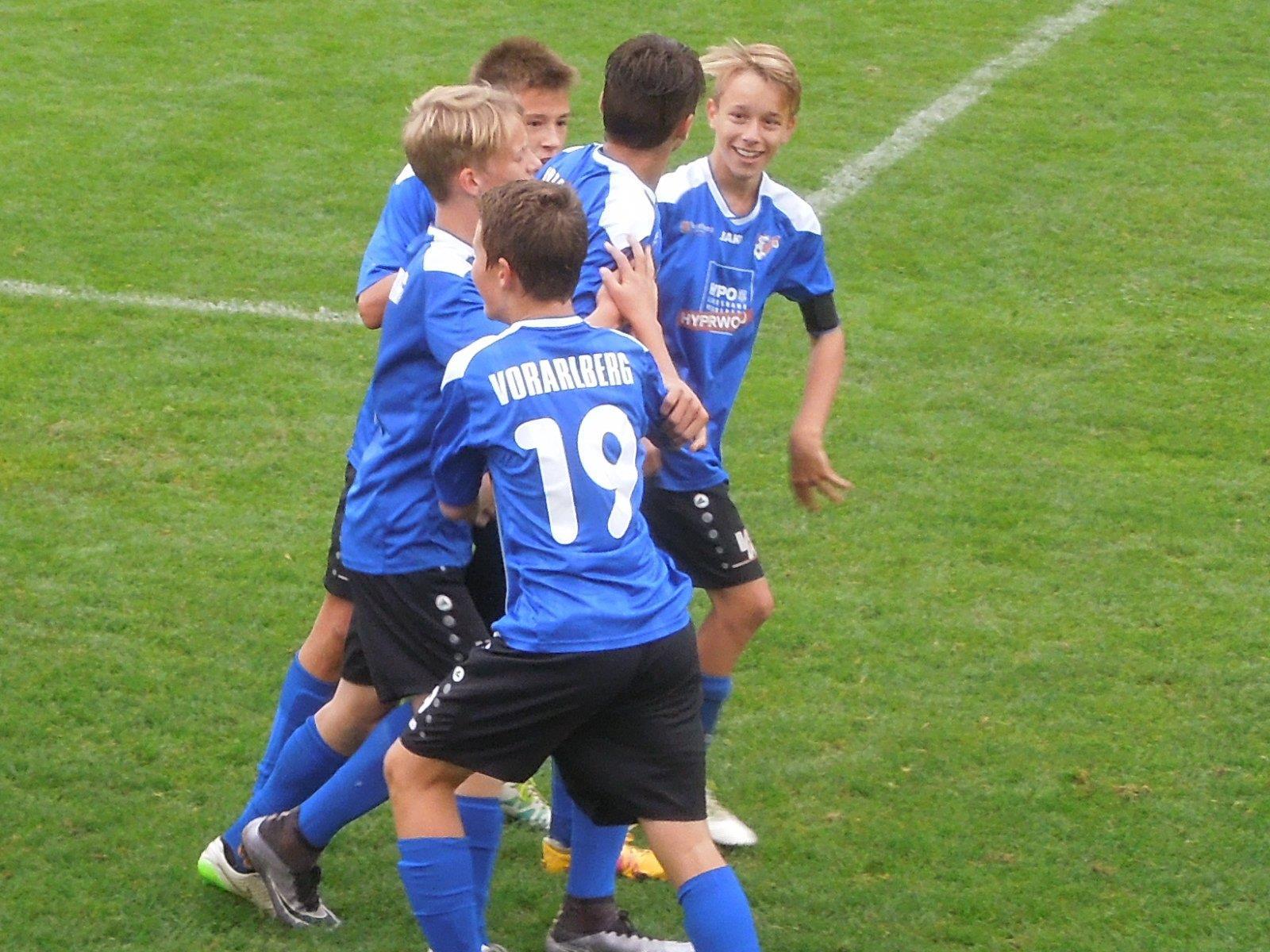 Die AKA U15 zeigte beim Spiel gegen den SV Ried eine tolle Leistung und durfte am Ende über einen glatten 4:0 Sieg jubeln.