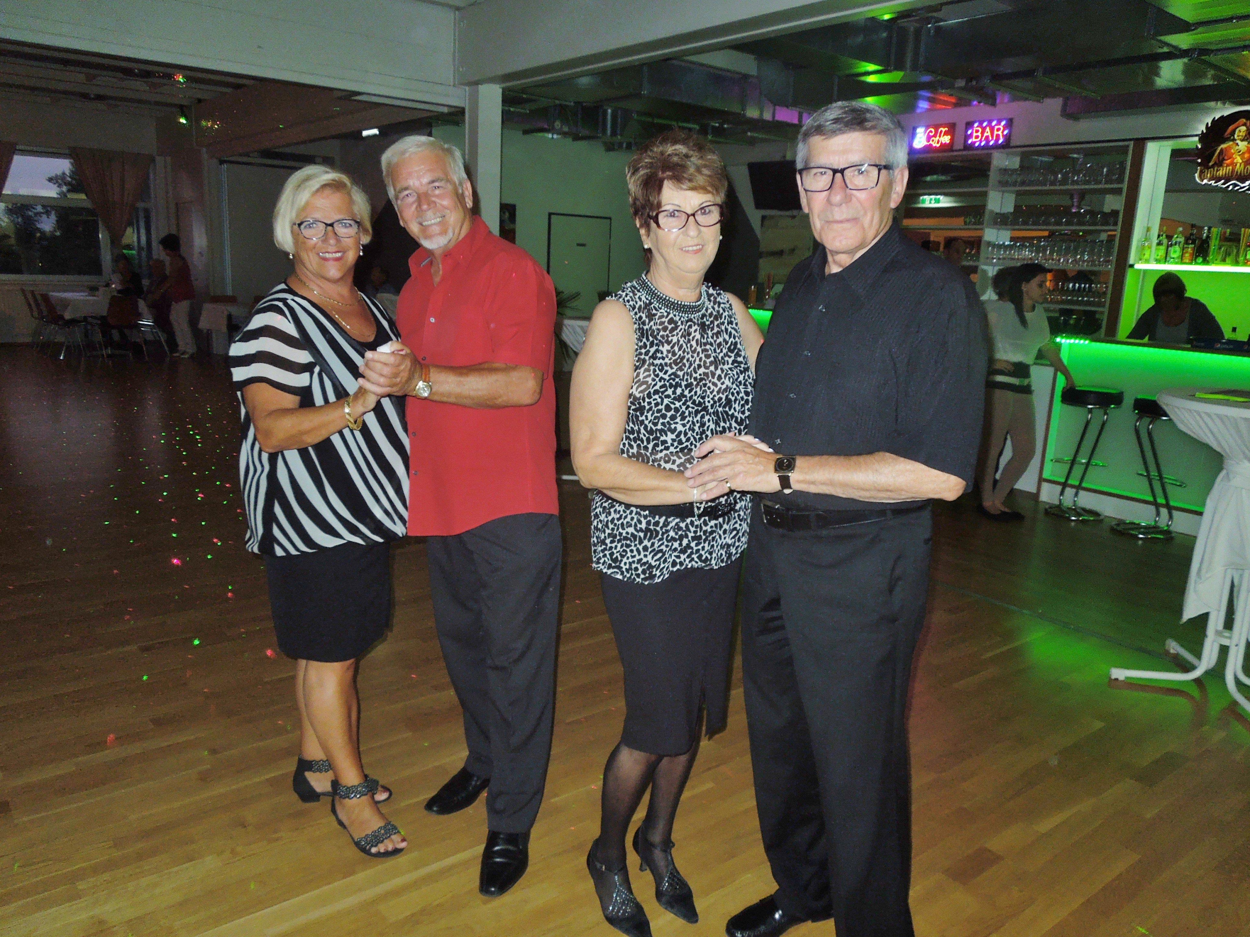 Künftig kann man in Hohenems jeden Samstag zu Live-Musik beim Tanz Treff das Tanzbein schwingen.
