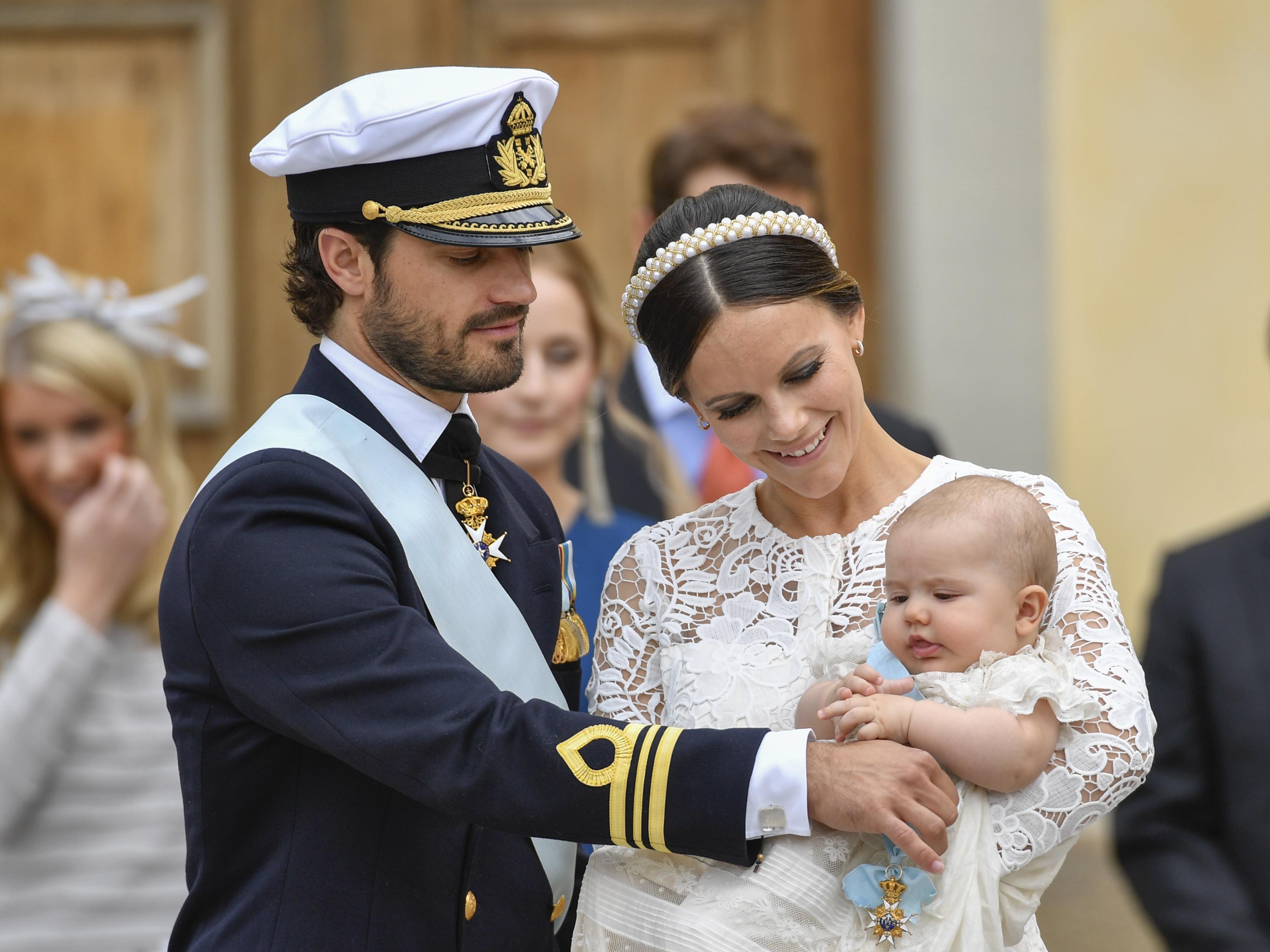Prinz Alexander scheint die Zeremonie nichts auszumachen.