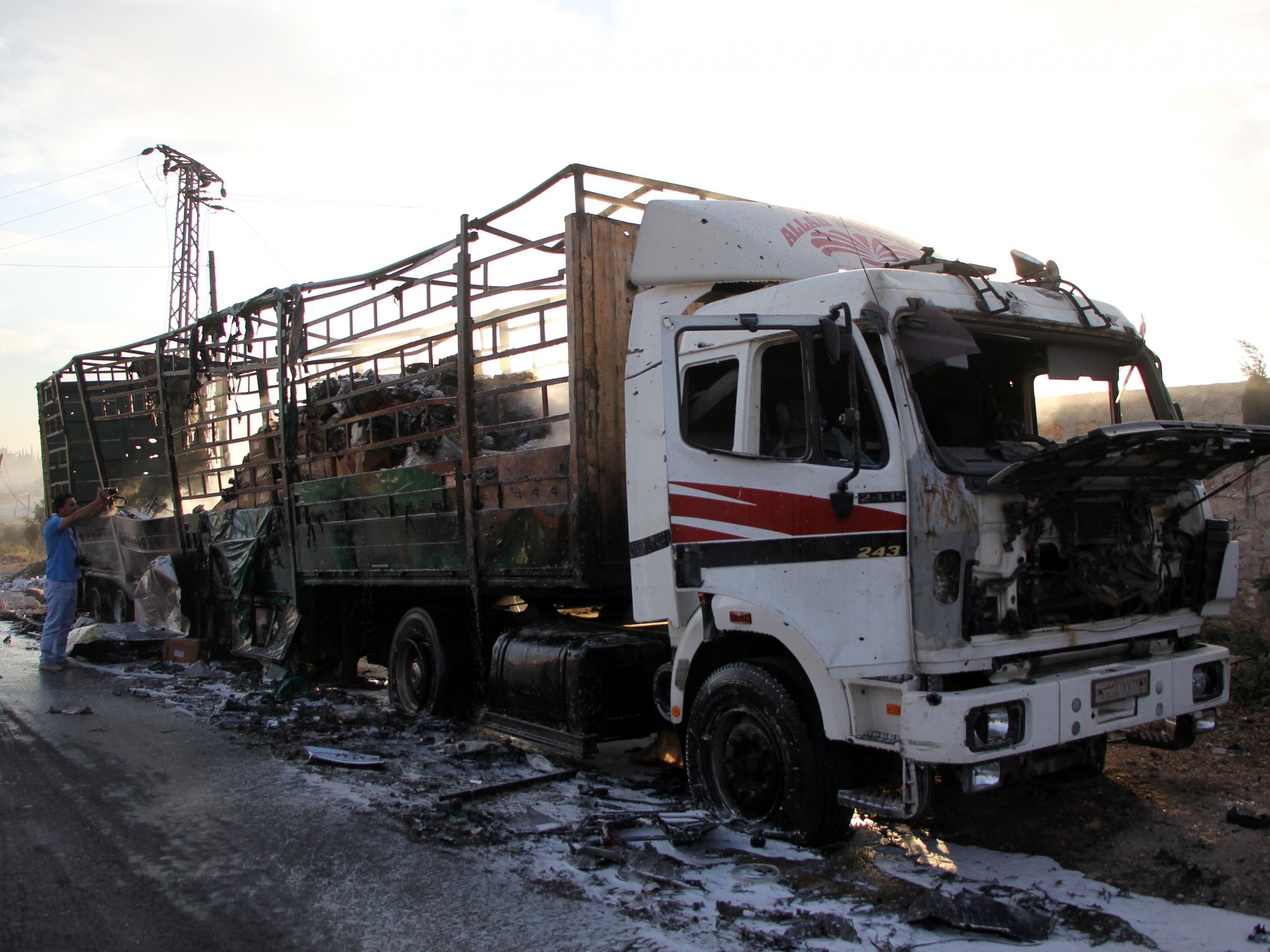 Nach dem Angriff auf den UN-Hilfskonvoi nahe Aleppo stellen die Vereinten Nationen vorerst ihre Hilfslieferungen ein.