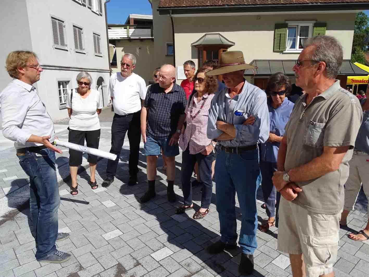 Ing. Bernd Federspiel informierte über die Bauabschnitte im Jüdischen Viertel.
