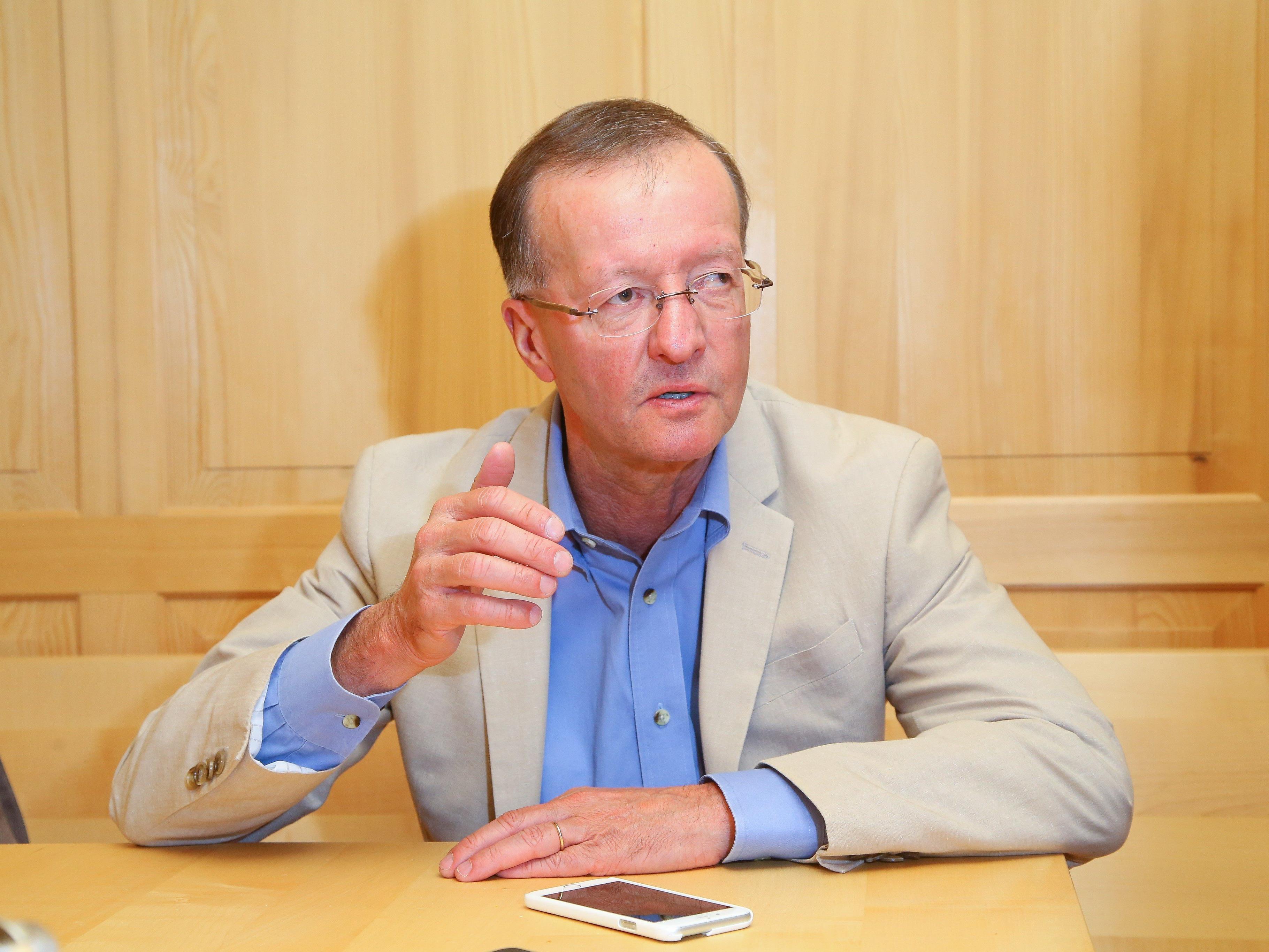 Der Vorarlberger Biochemiker Norbert Bischofberger hat ein Medikament zur Aidsvorsorge entwickelt.