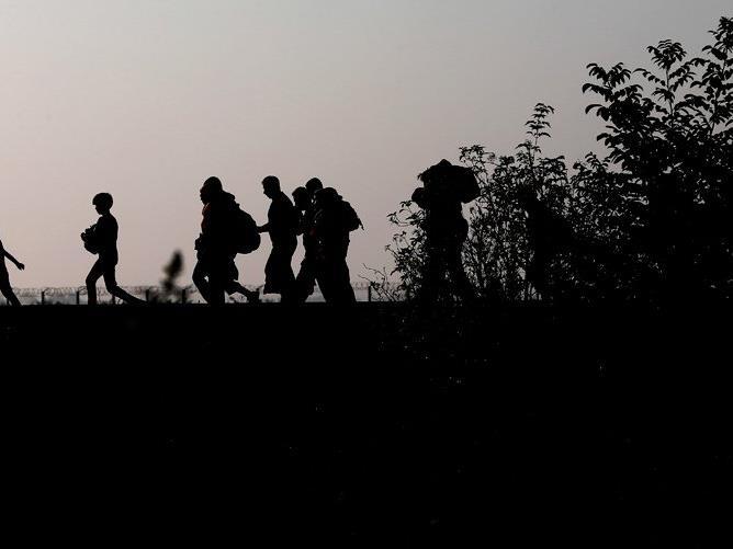 Über 500 oder nur wenige Hundert. Die Schweiz und das land Vorarlberg machen unterschiedliche Angaben zur zahl der illegal aus Vorarlberg in die Schweiz gereisten Flüchtlinge.