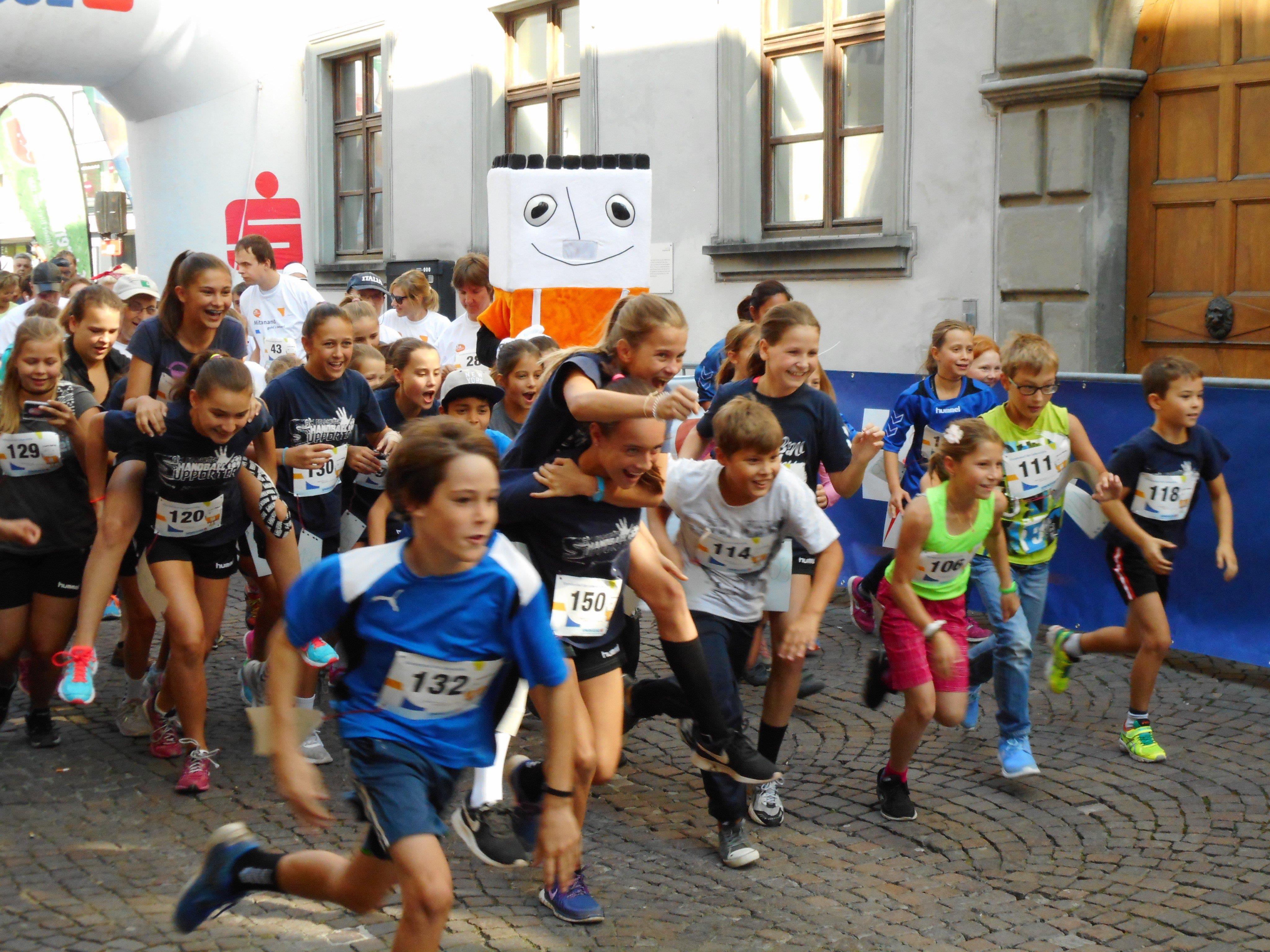 Mit Begeisterung legten sich die Läufer für die Lebenshilfe Feldkirch ins Zeug.