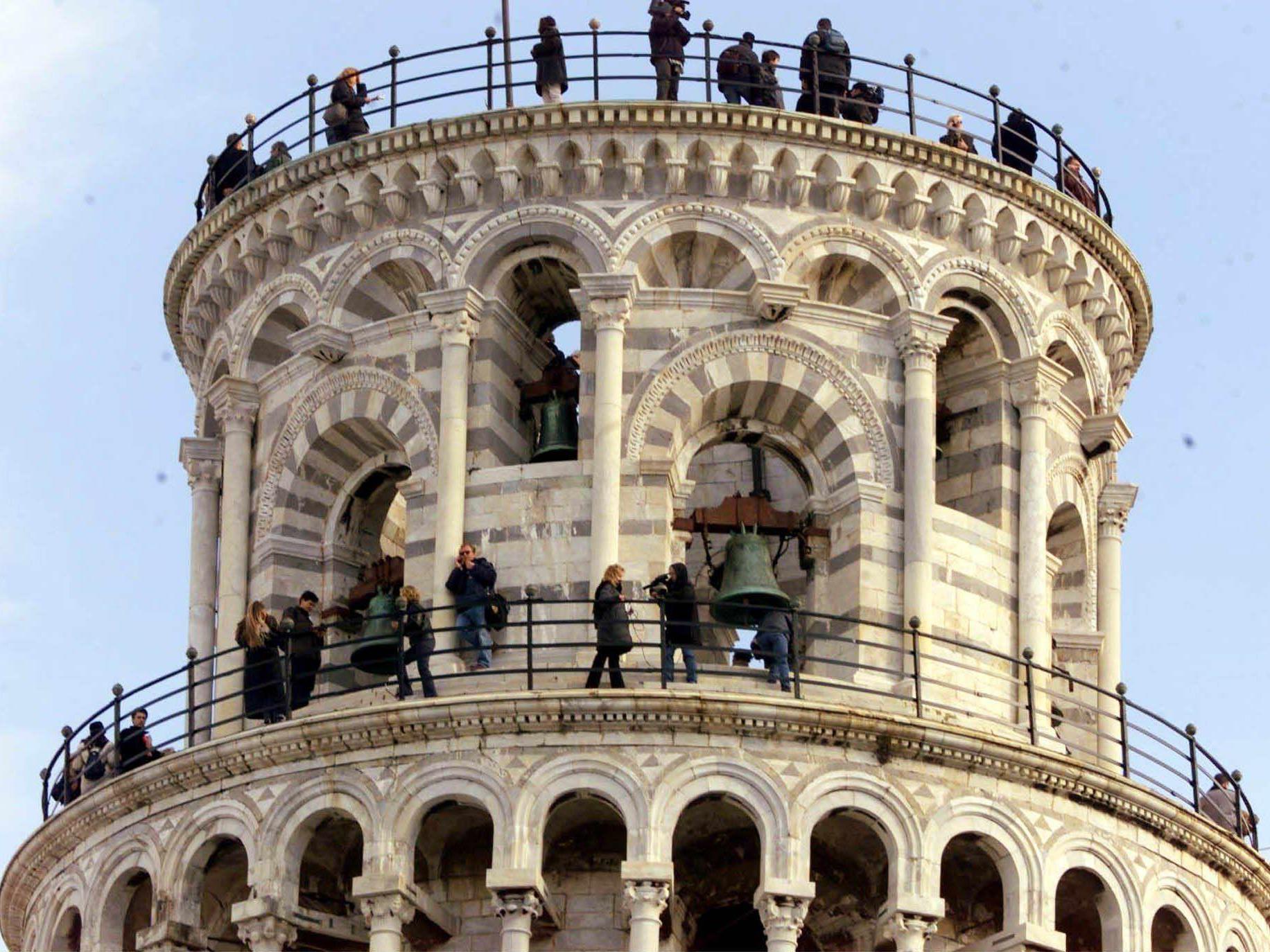 Der Schiefe Turm von Pisa ist ein begehrter Ort für Urlaubsfotos.