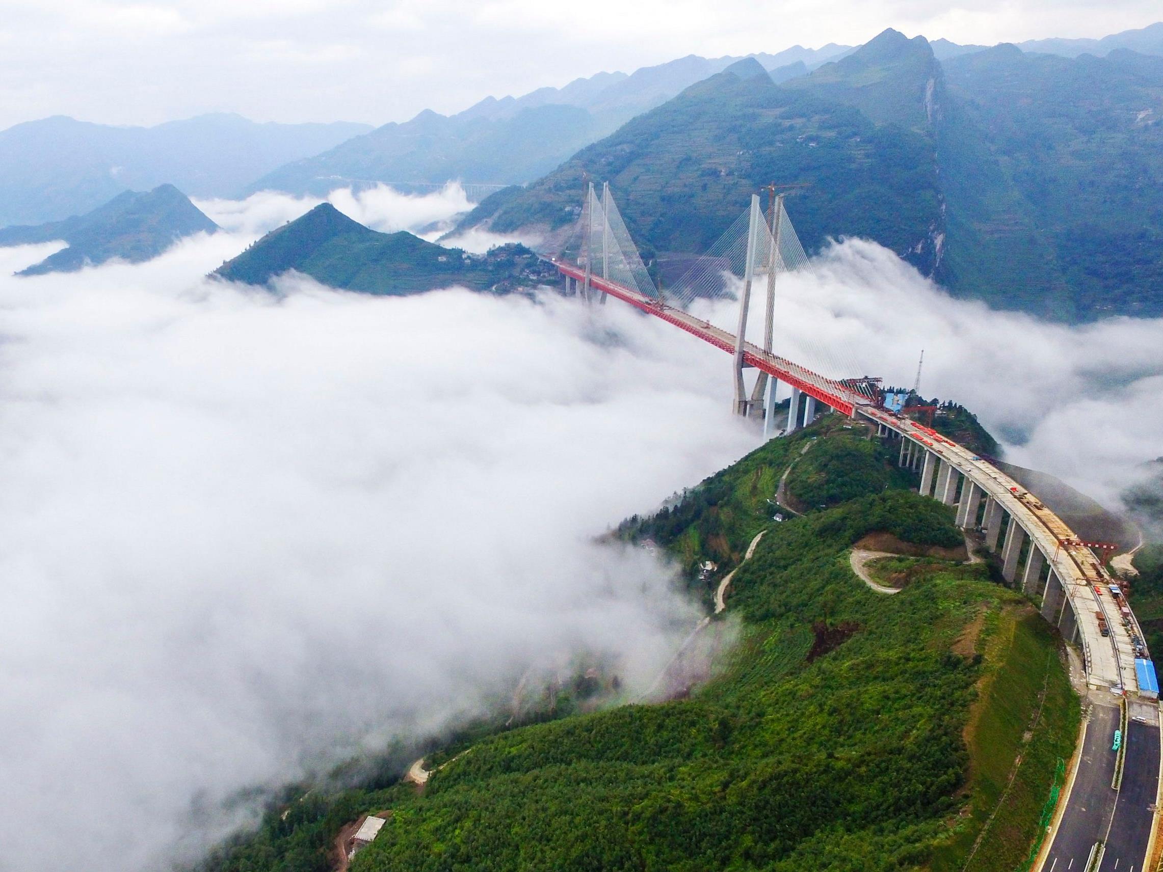 565 Meter über einen Fluss - die höchste Brücke der Welt.
