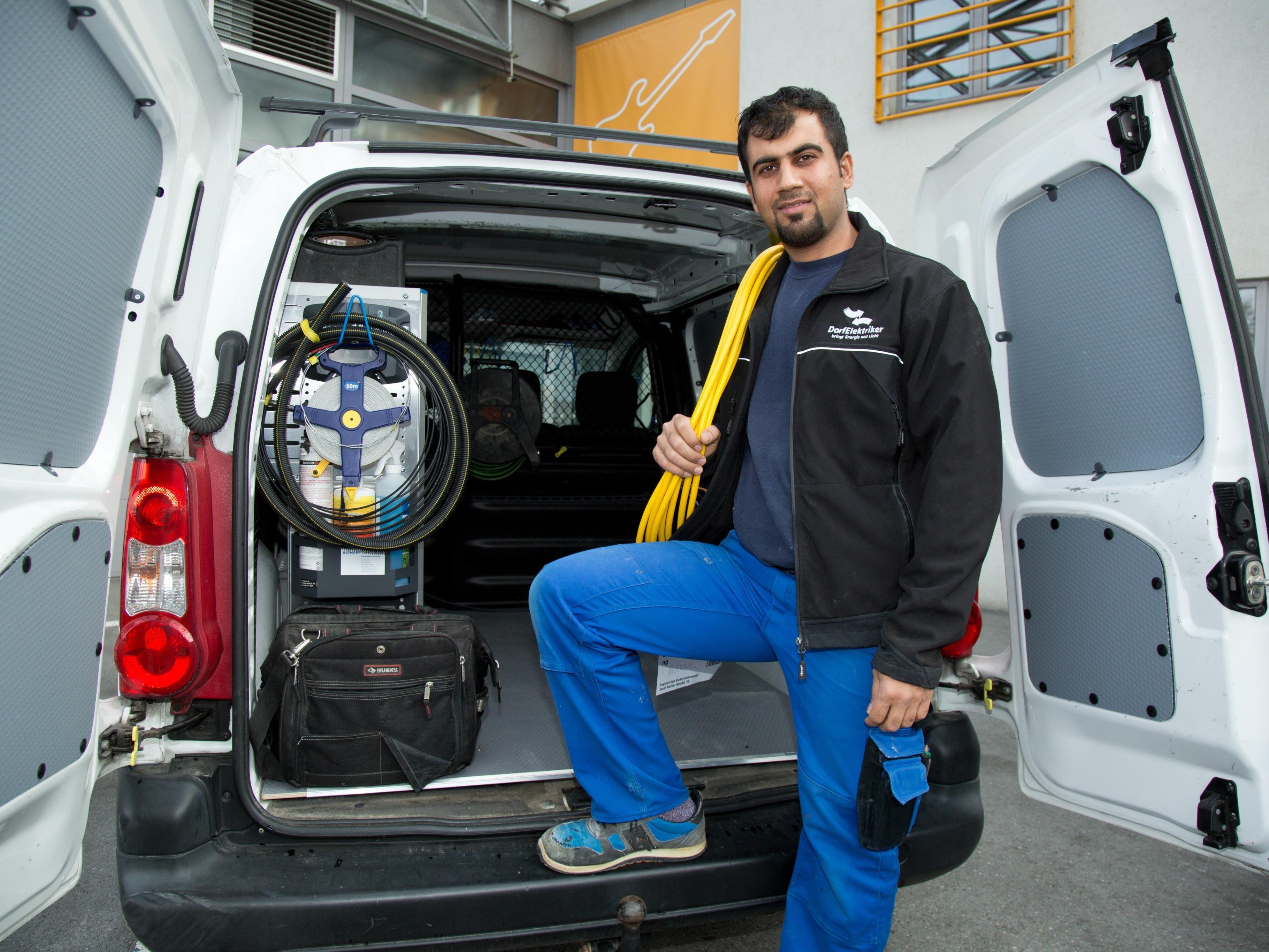 """Caritas versucht mit """"start2work"""" Flüchtlinge in Arbeitsmarkt zu integrieren - Gelungen mit Mohsen Osman."""