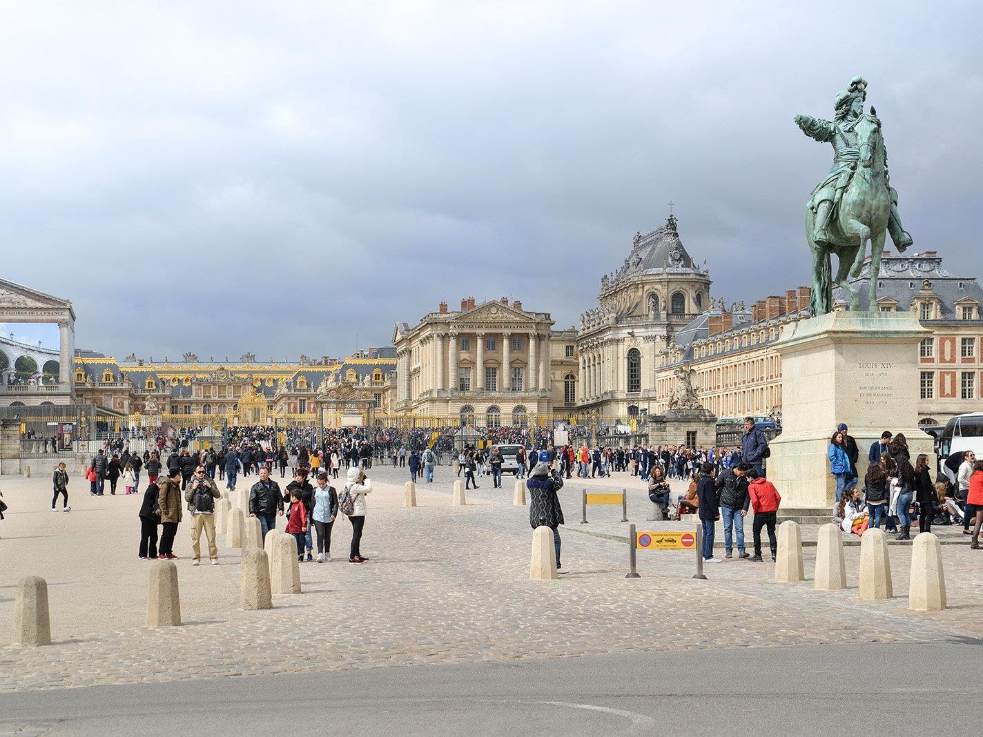 Das neue Auditorium im Dachgeschoss von Schloss Versailles erhielt eine elastische Lagerung vom Schwingungsschutzexperten Getzner.