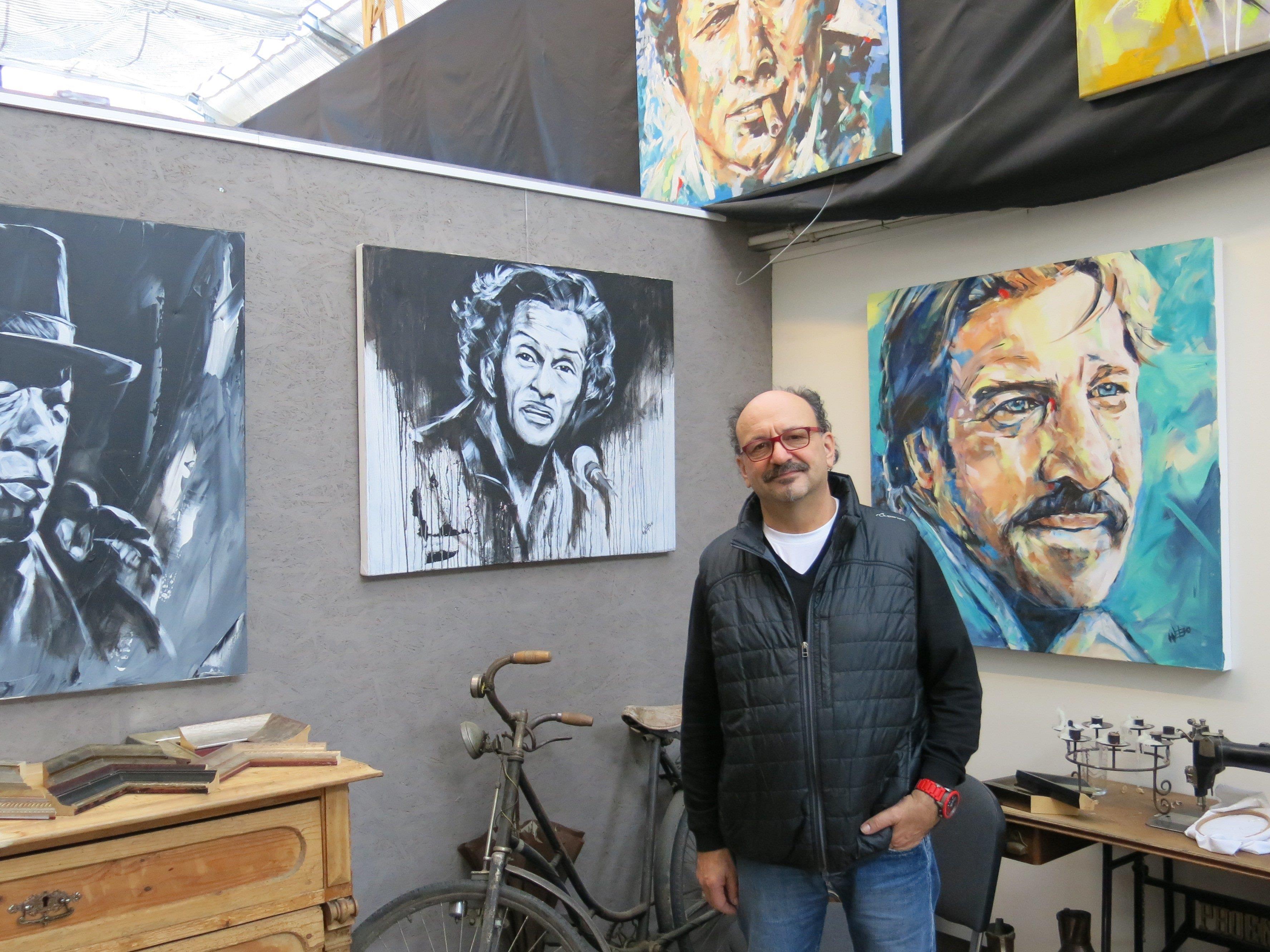 Künstler Werner Bösch bannt Charaktere auf die Leinwand