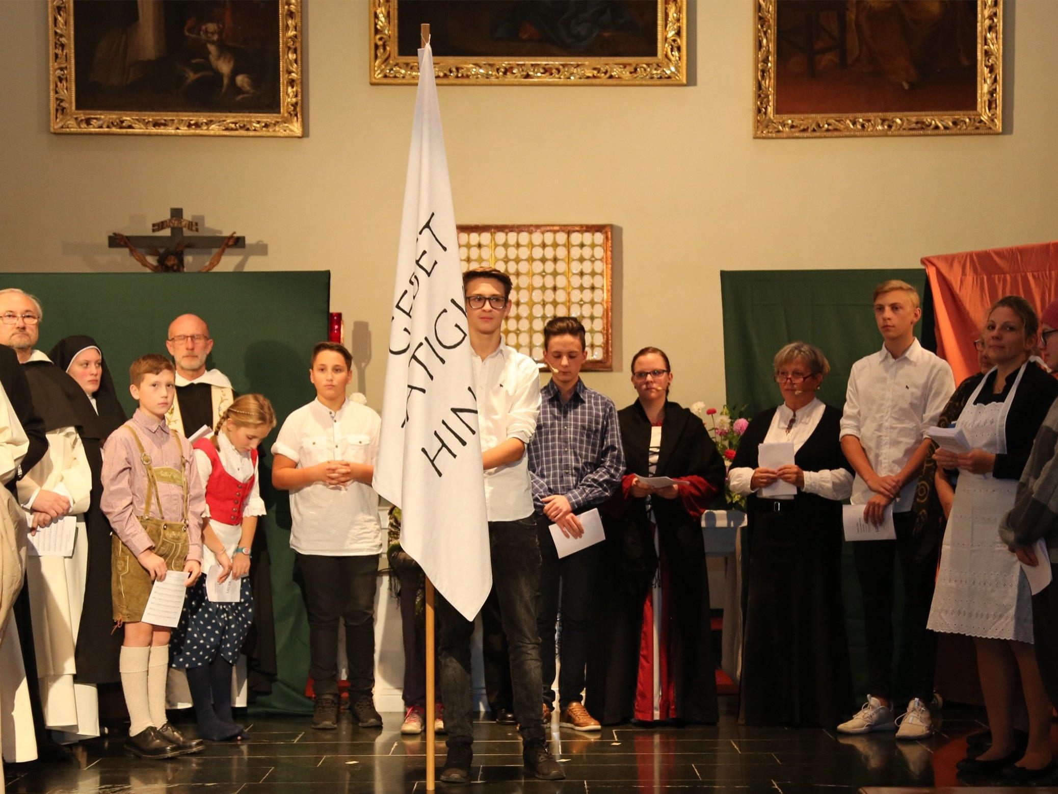 Zum 800-jährigen Ordensjubiläum kam im Kloster Altenstadt ein beachtenswertes Theaterstück zur Aufführung