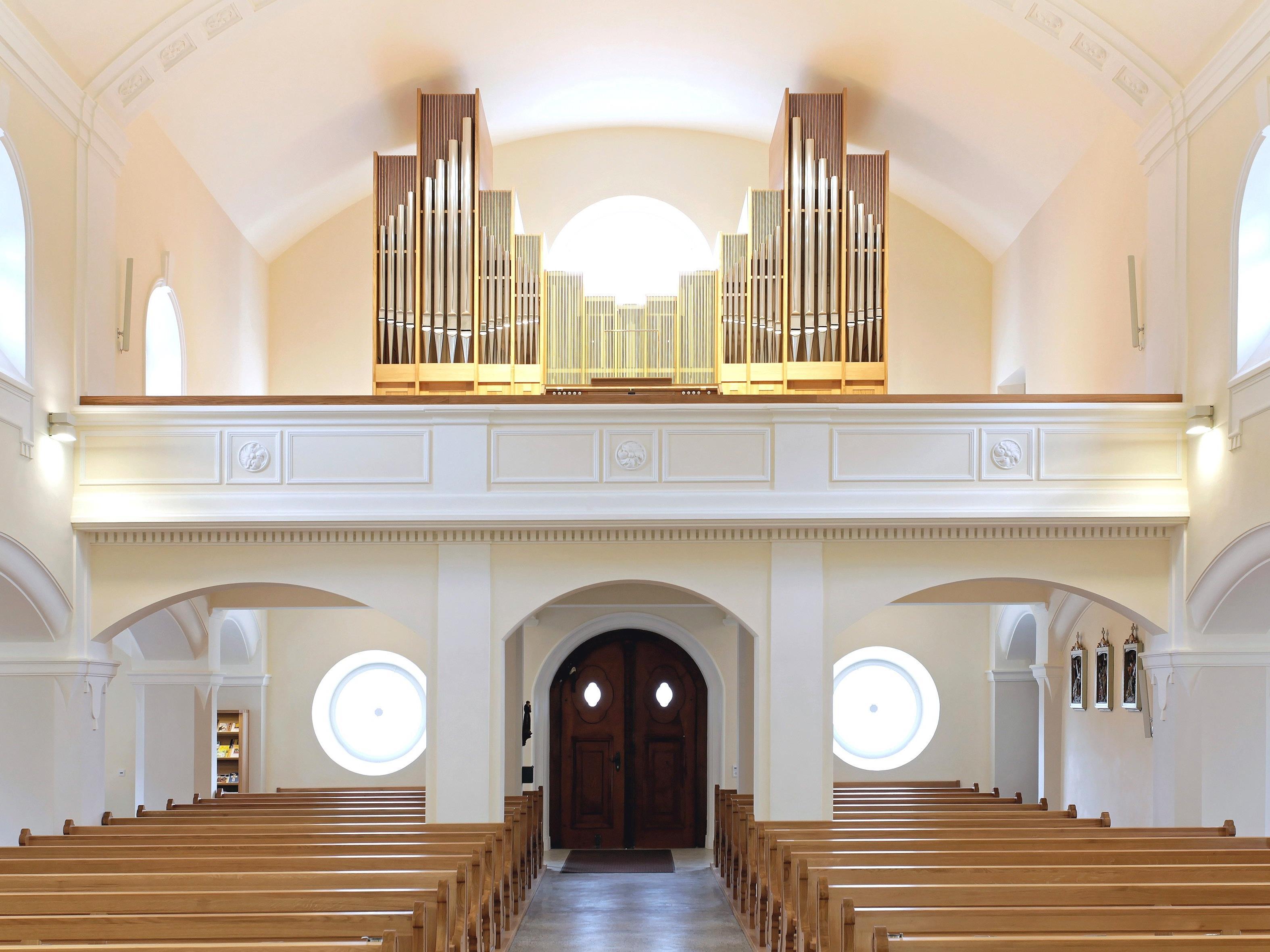 Ansicht der Pflügerorgel in der Pfarrkirche Gisingen