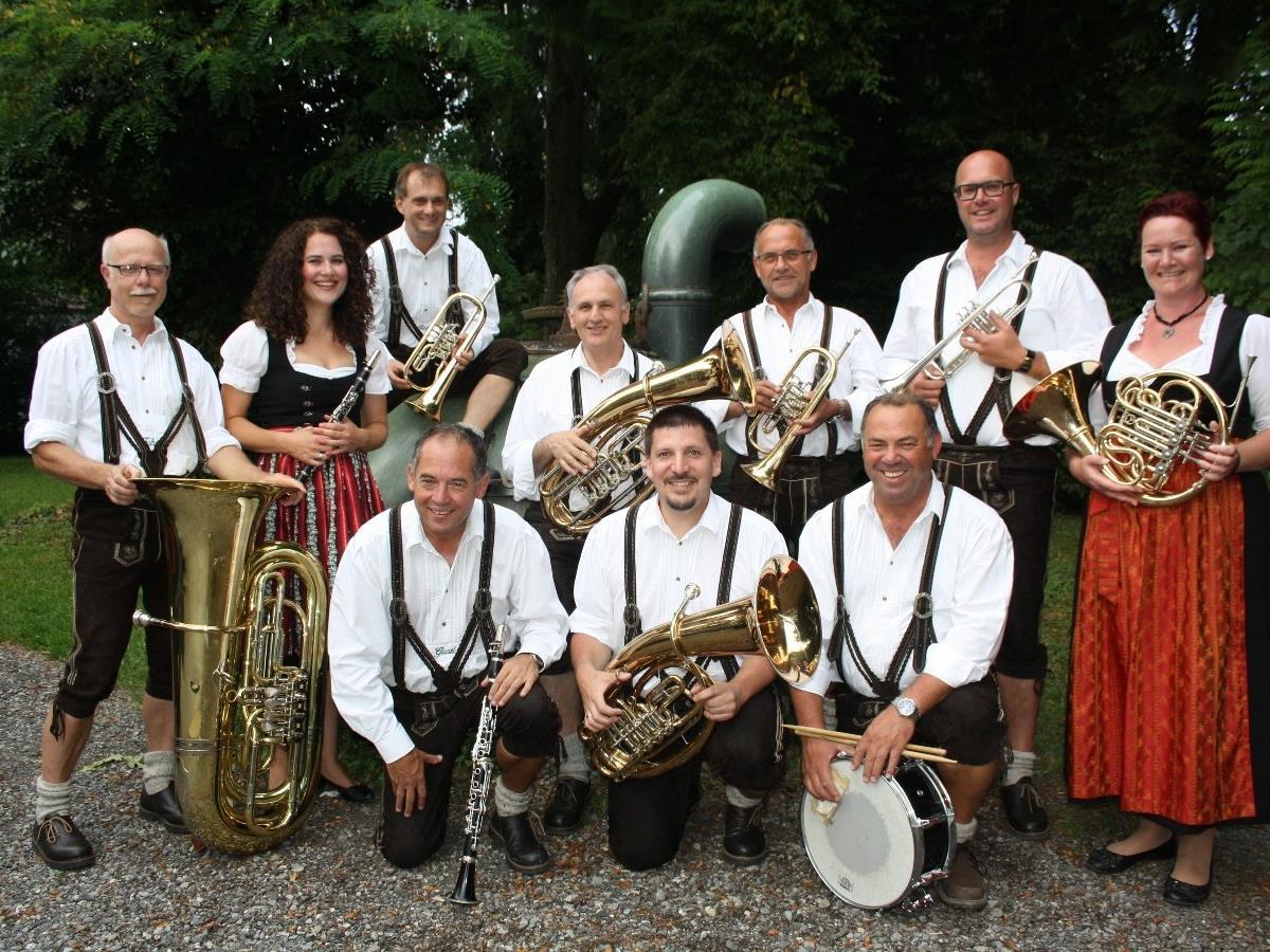 """Die """"Lochauer Bierblosn"""" laden am Freitag, 7. Oktober, um 20 Uhr zum Oktoberfest in die Festhalle nach Lochau."""