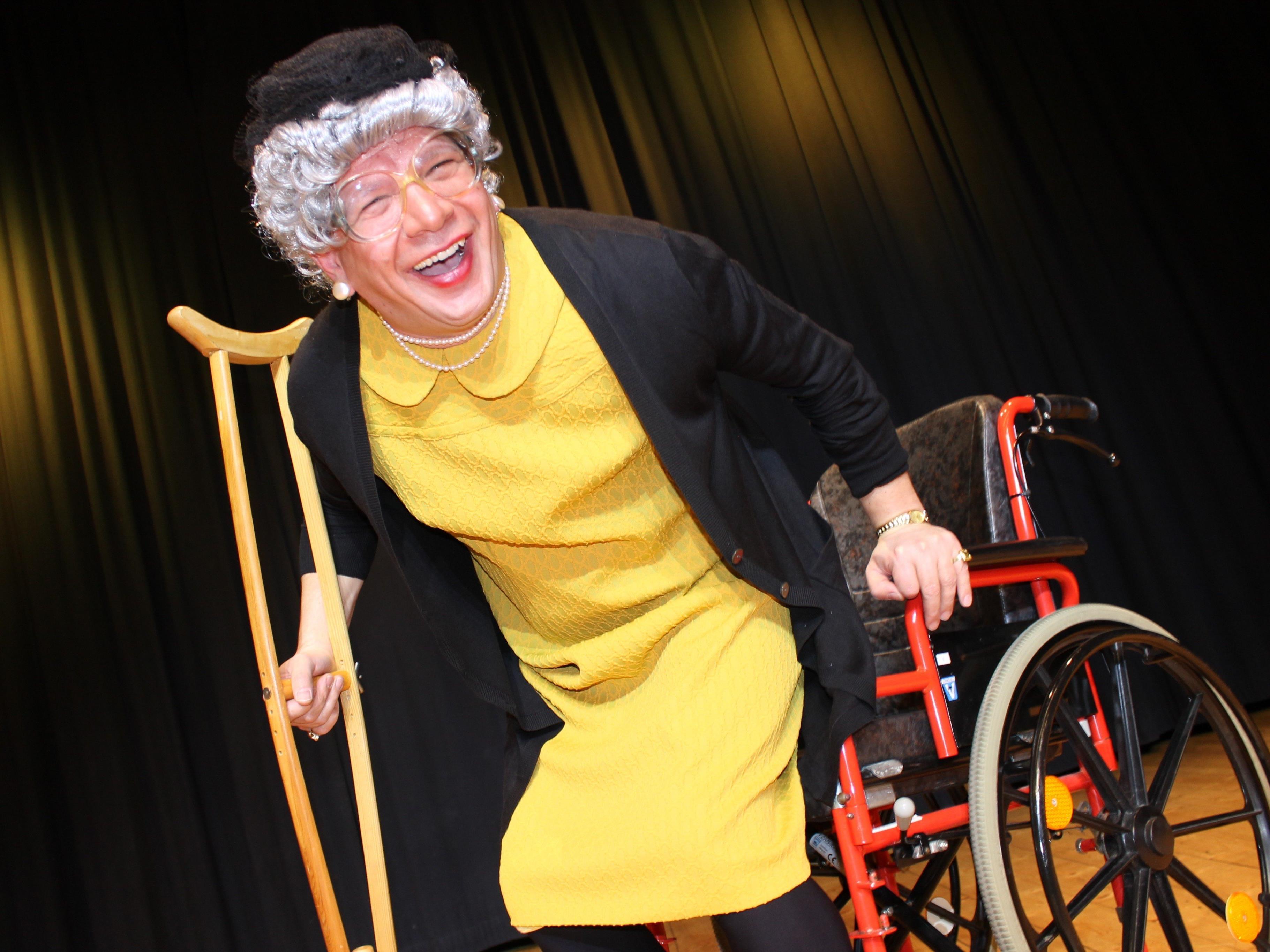 Oma Lilli wird morgen Dienstag im Gemeindesaal Sonntag für ordentlich Schwung und Stimmung sorgen