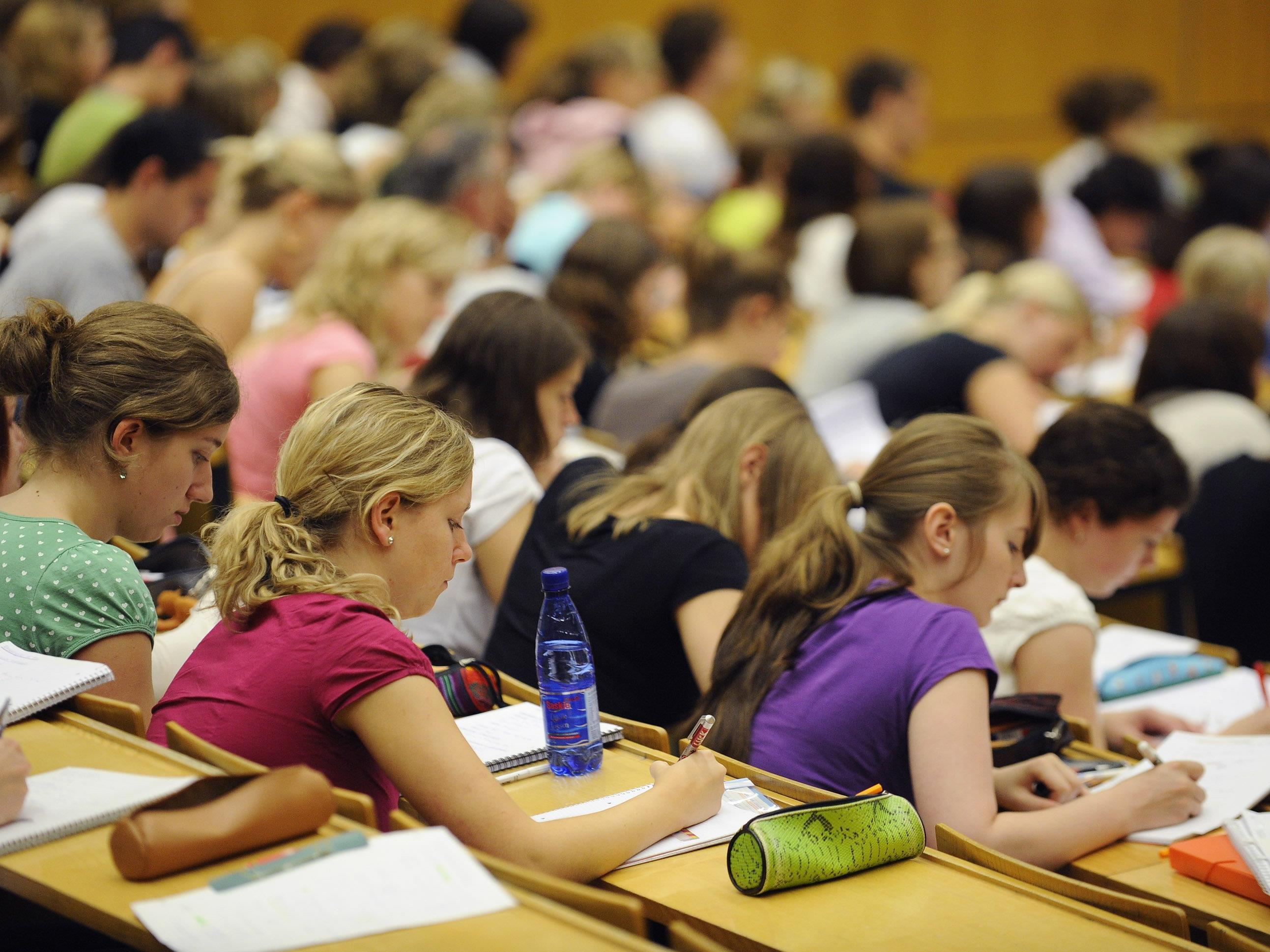 Können Sie sich eine Wiedereinführung der Studiengebühren vorstellen?