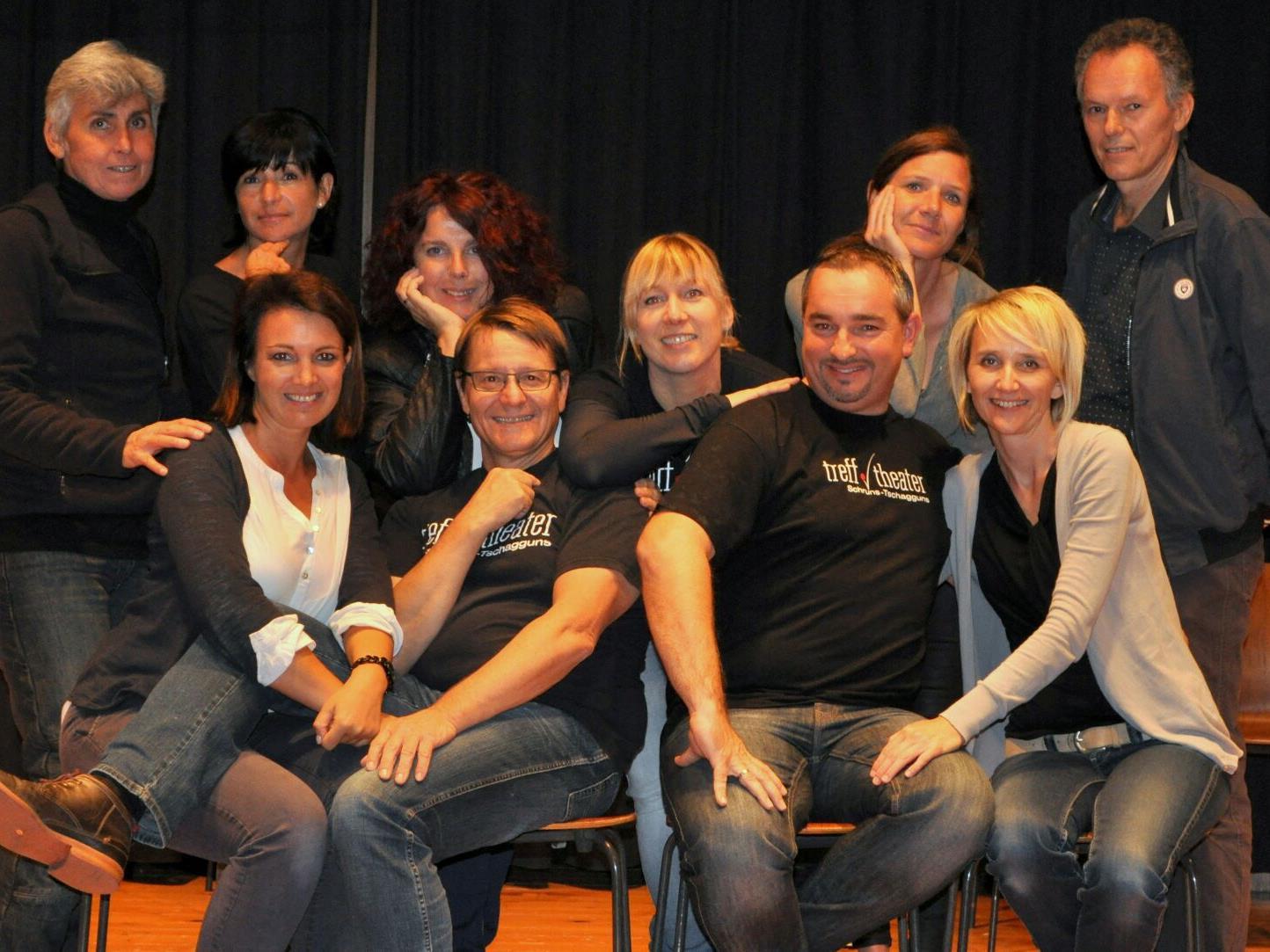 """Die Laiengruppe treff.theater spielt im November das Stück """"Ein ungleiches Paar"""" in der Kulturbühne Schruns."""