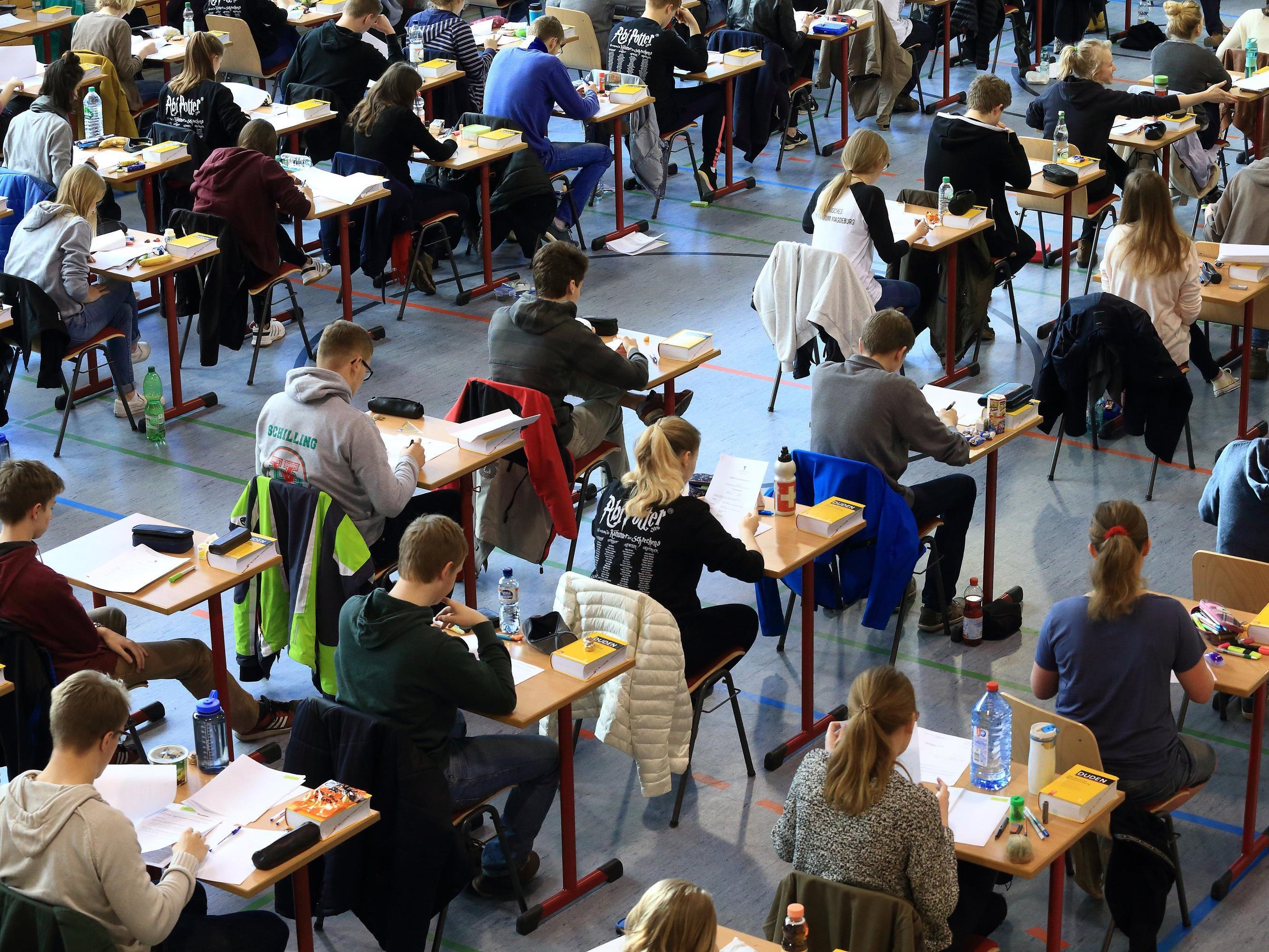 Das Abschneiden der Vorarlberger Schüler soll bei der kommenden Matura besser werden.