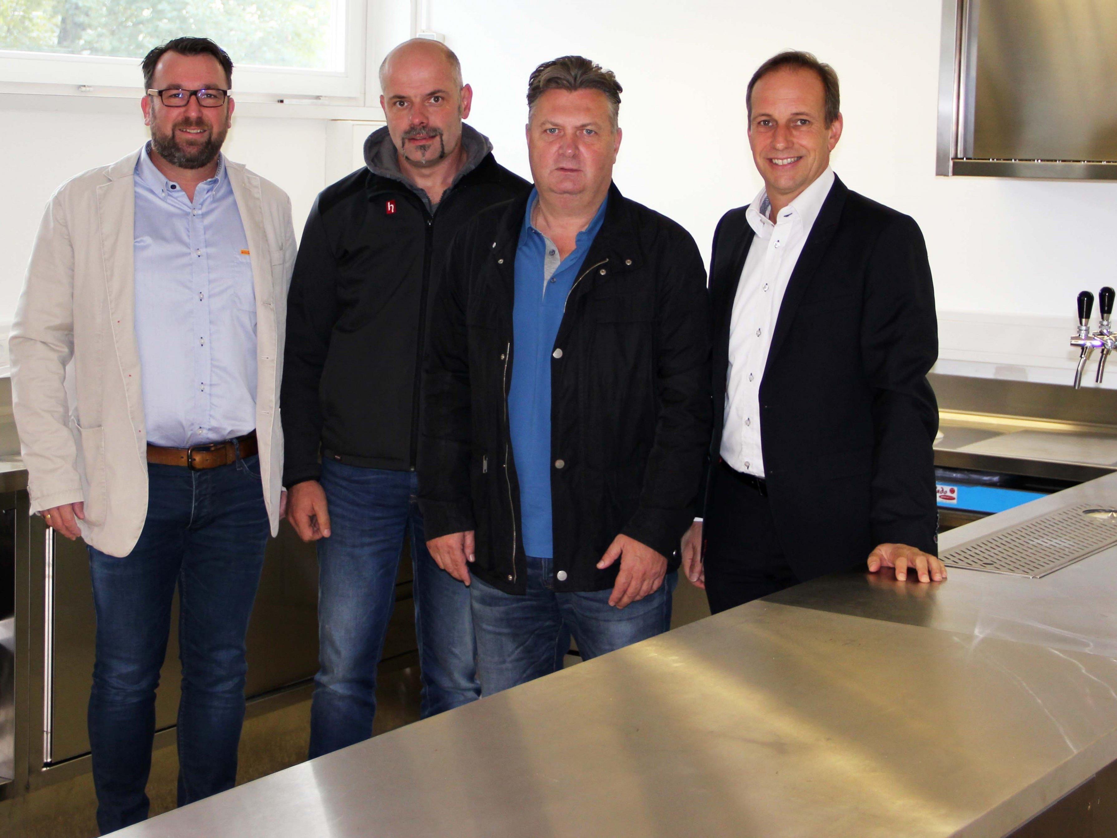 v. l. Dietmar Amann, Oliver Marte, StR. Friedl Dold, Bgm. Dieter Egger