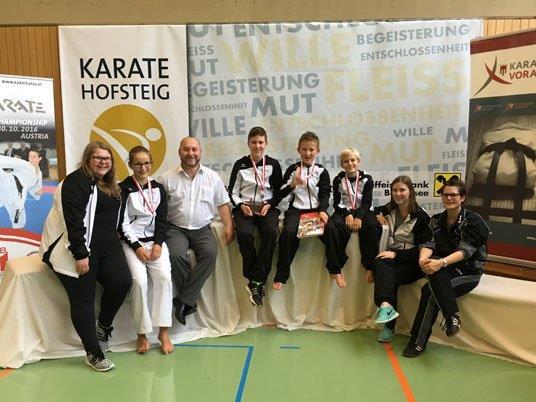 Gruppenfoto Turnierteilnehmer und Betreuer.