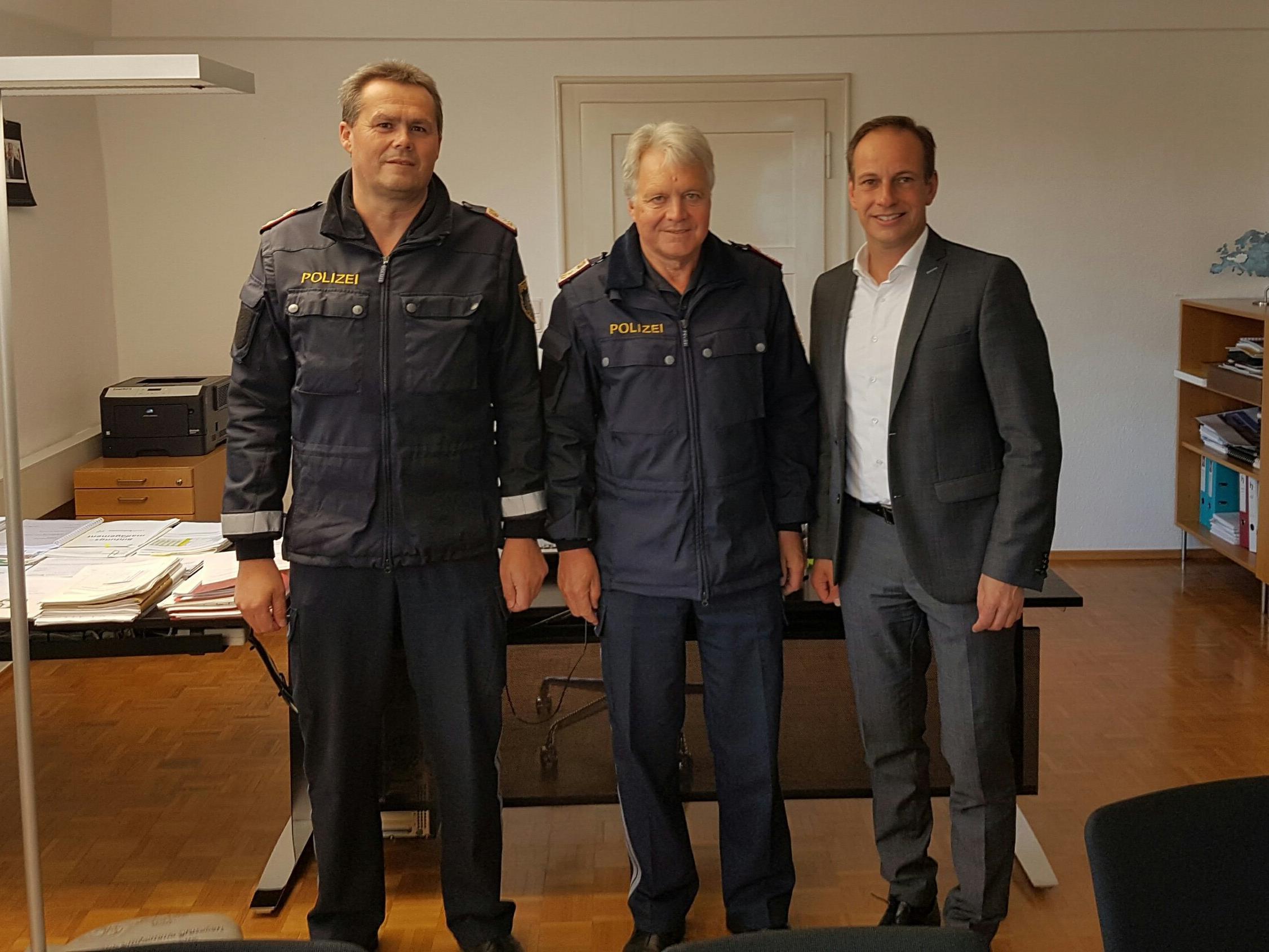 v. l. Helmut Loacker, Günther Manahl, Bürgermeister Dieter Egger