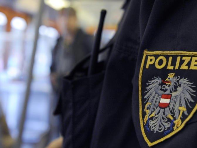 Passanten informierten die Polizei