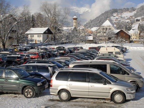190 neue Parkplätze sollen Wintertouristen in der neuen Saison am Skigebiet Schetteregg bereit stehen.