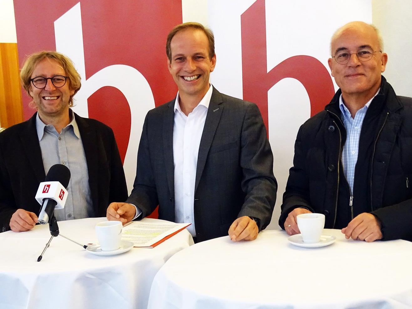 v. l. Stadtplaner DI Bernd Federspiel, Bürgermeister Dieter Egger, Bauamtsleiter DI Markus Heinzle