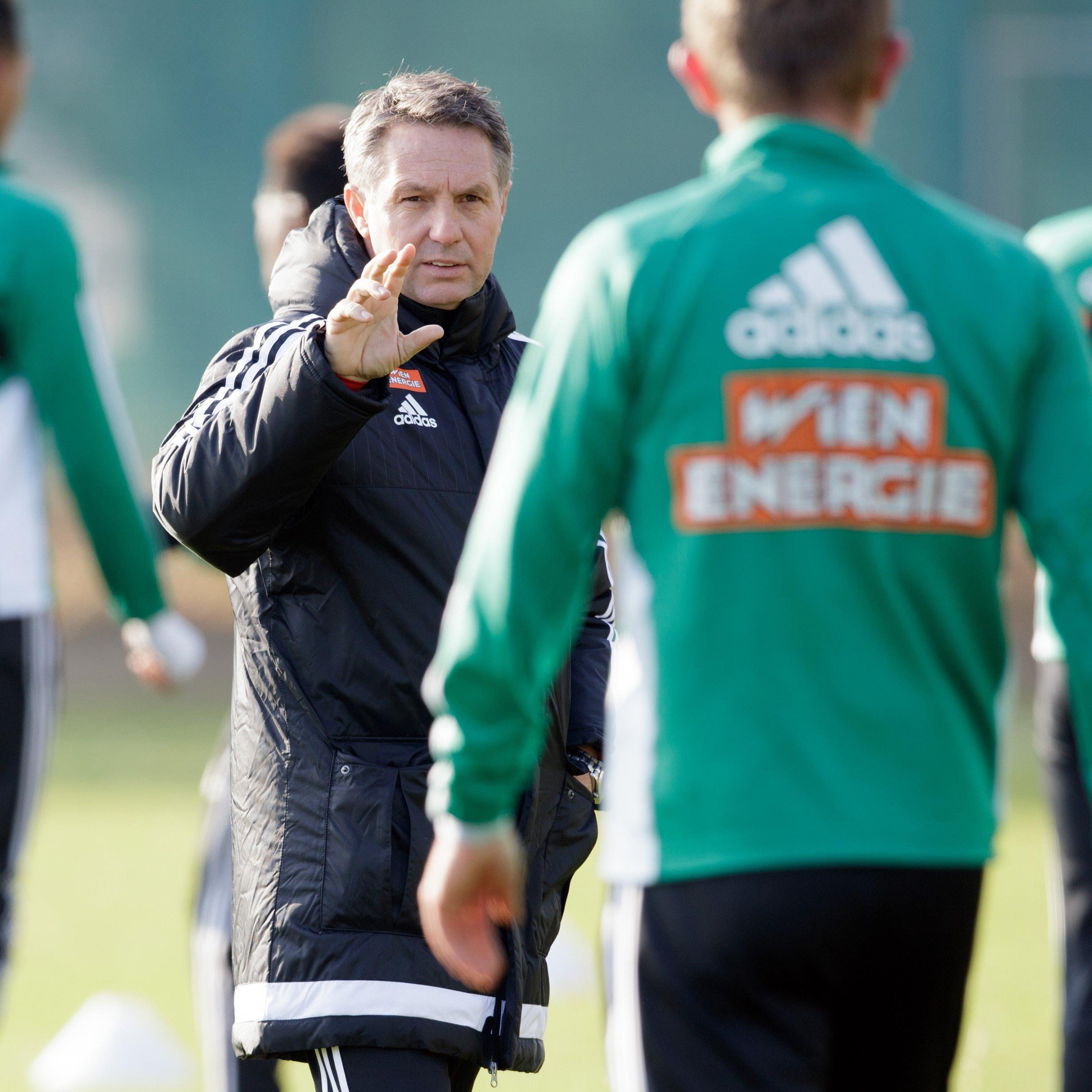 Canadi bei seinem ersten Training mit Rapid Wien.