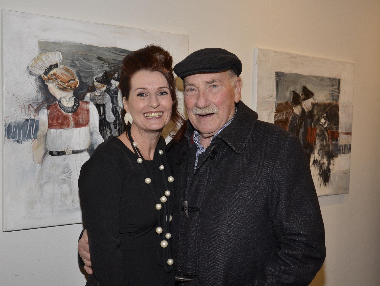 Künstlerin Ulrike Maria Kleber mit Otto Hofer