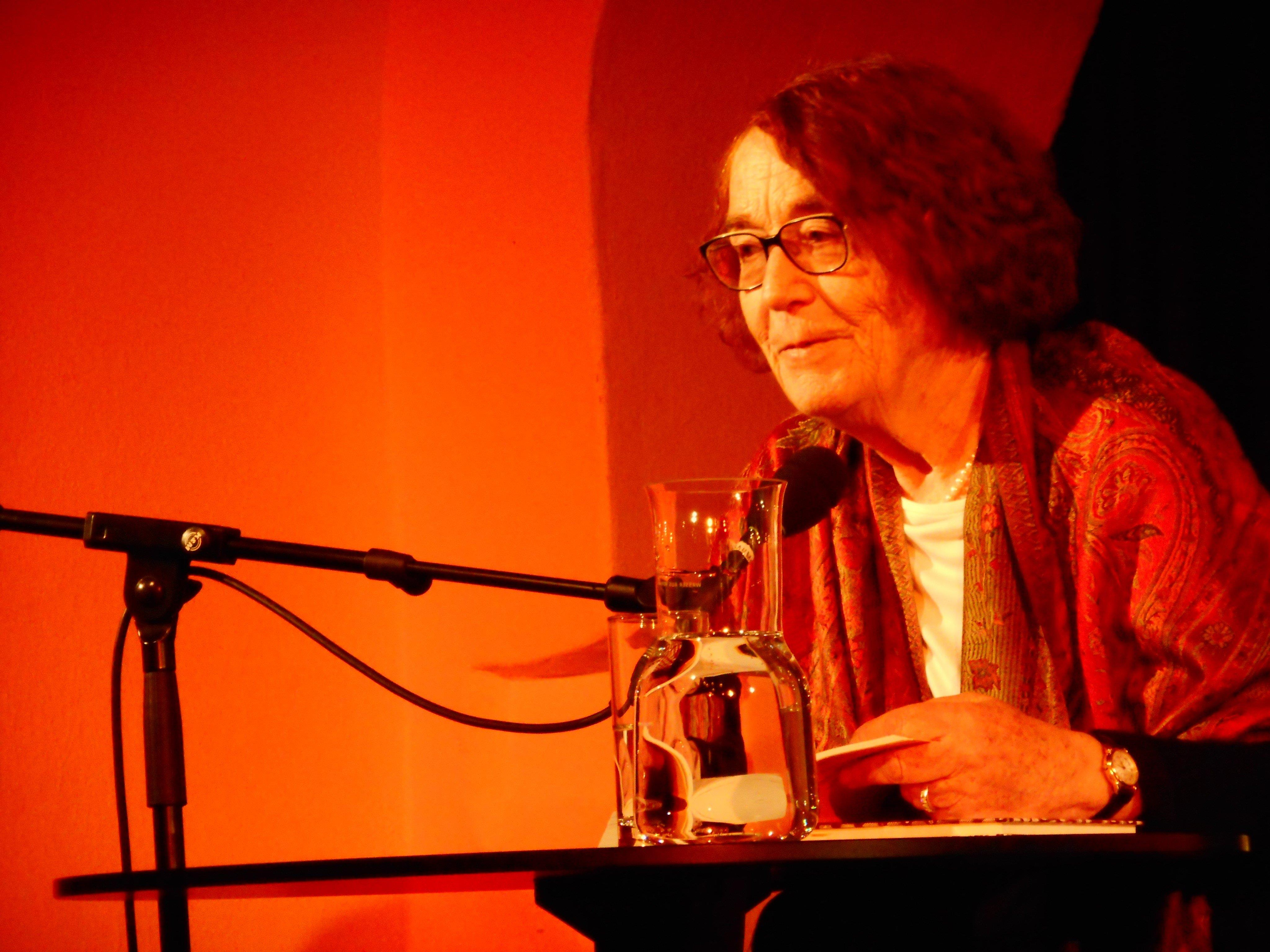 Die bedeutende Autorin Renate Welsh las aus ihrem Erfolgsbuch vom Vamperl.