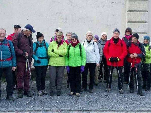 Team per pedales im Gütle - Aufbruchstimmung zur Wanderung nach Kehlegg