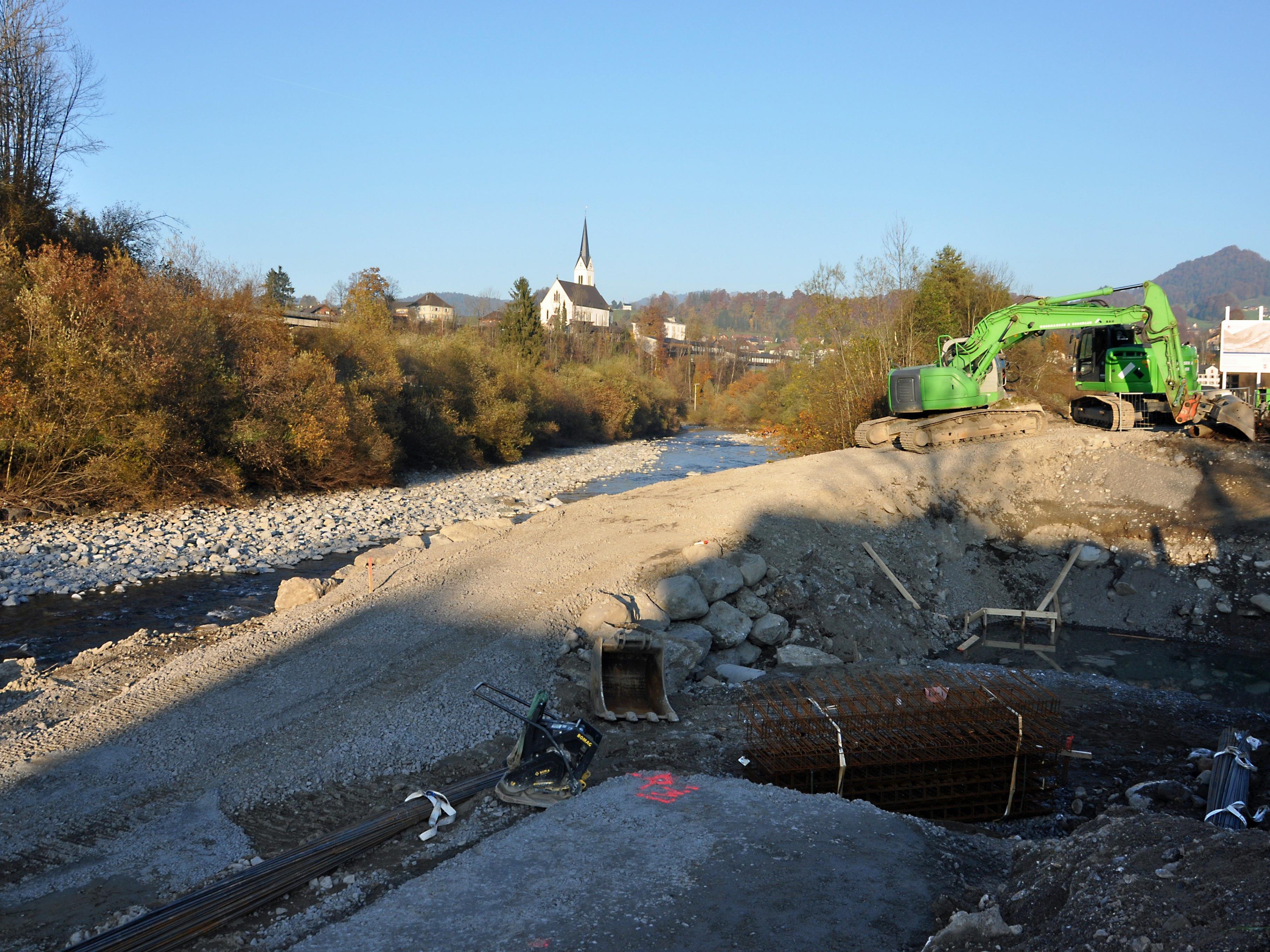 Mit den umfangreichen Bauarbeiten an der Bregenzer Ache wurde bereits gestartet.