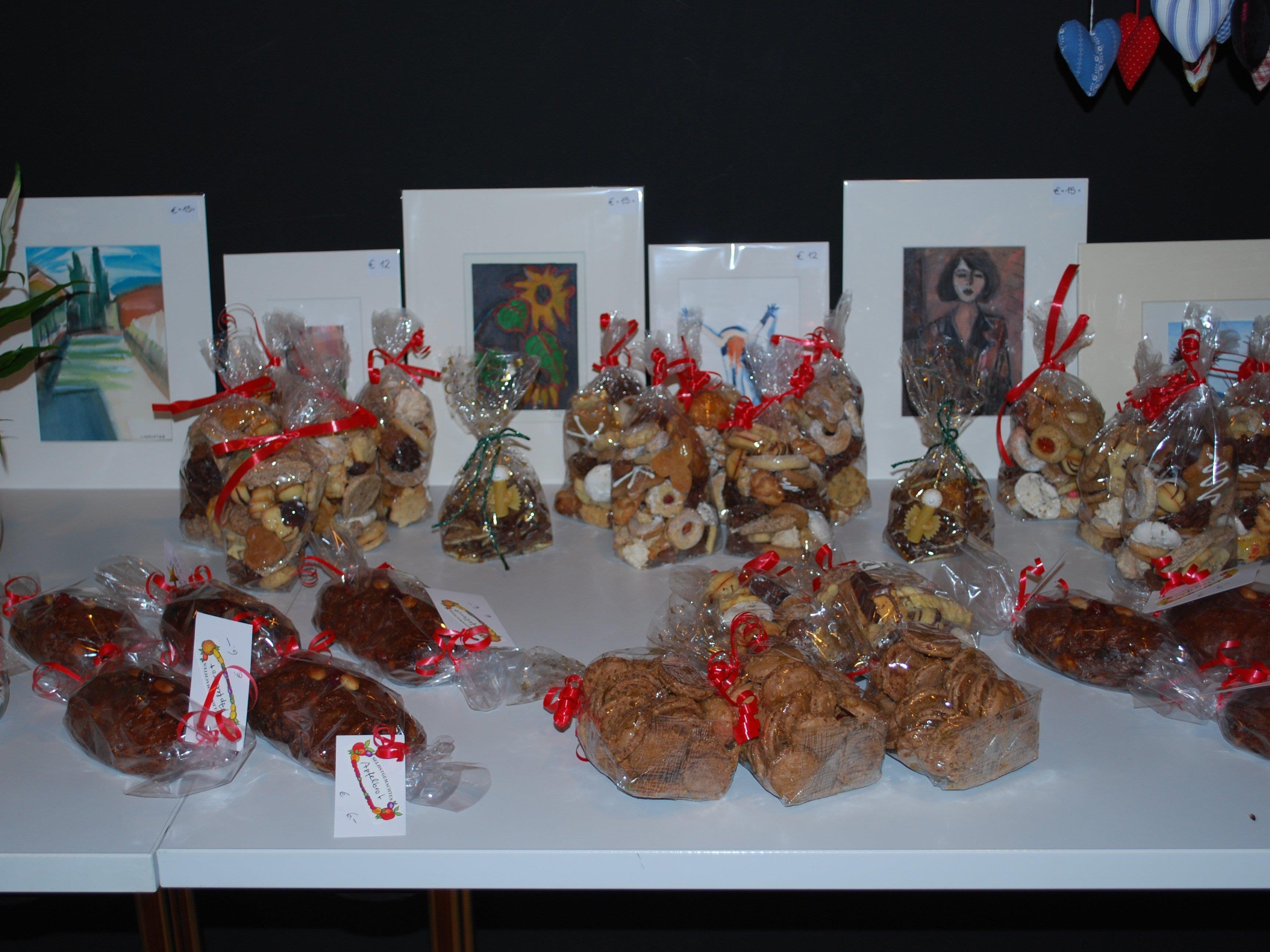 Die berühmten Weihnachtskekse vom Tisner Weihnachtsbasar