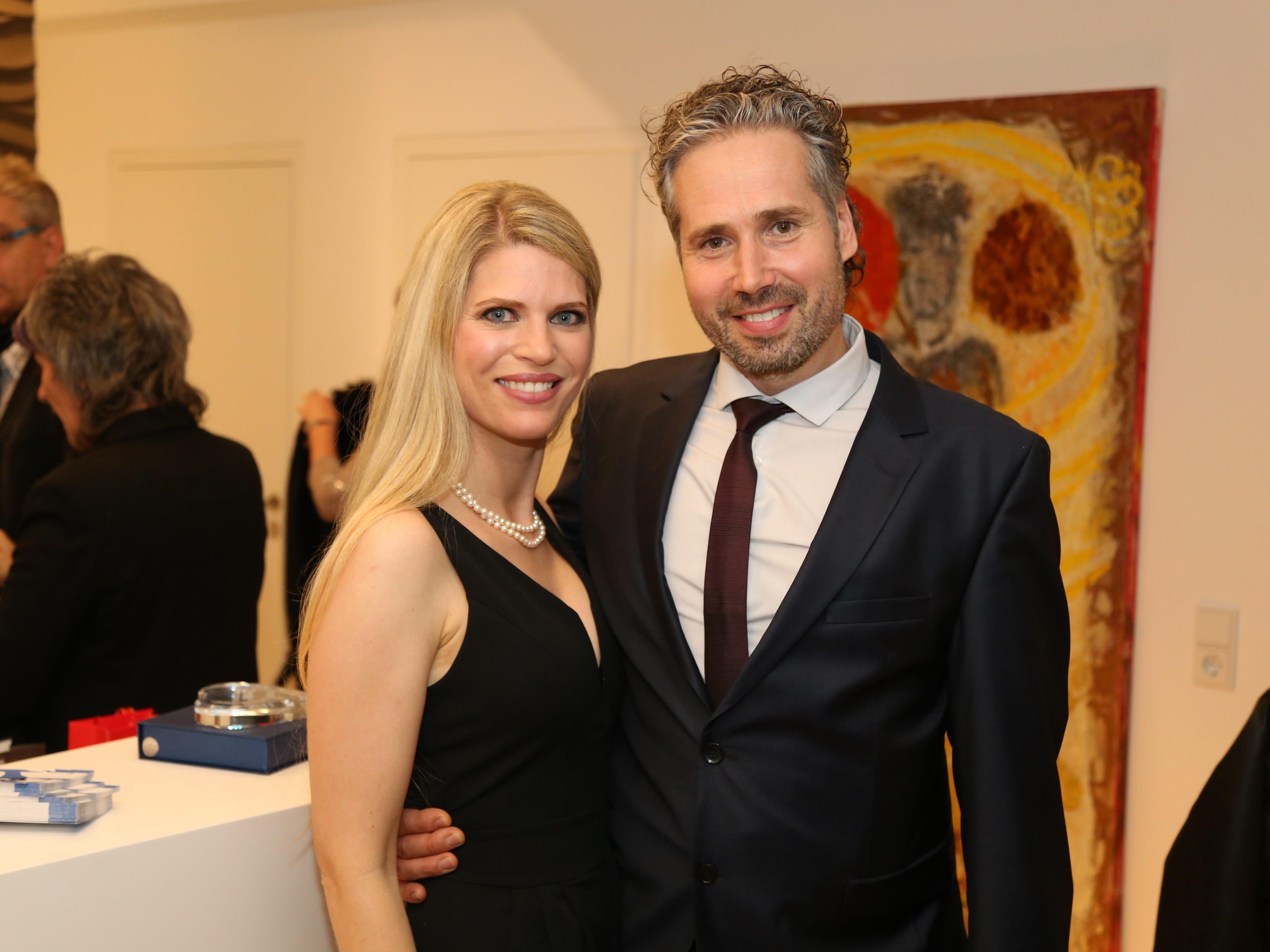 Dr. Thorsten Eismann eröffnete mit seiner Gattin Dr. Silvia Eismann die 138 m² große Praxis in der Saalbaugasse 4.
