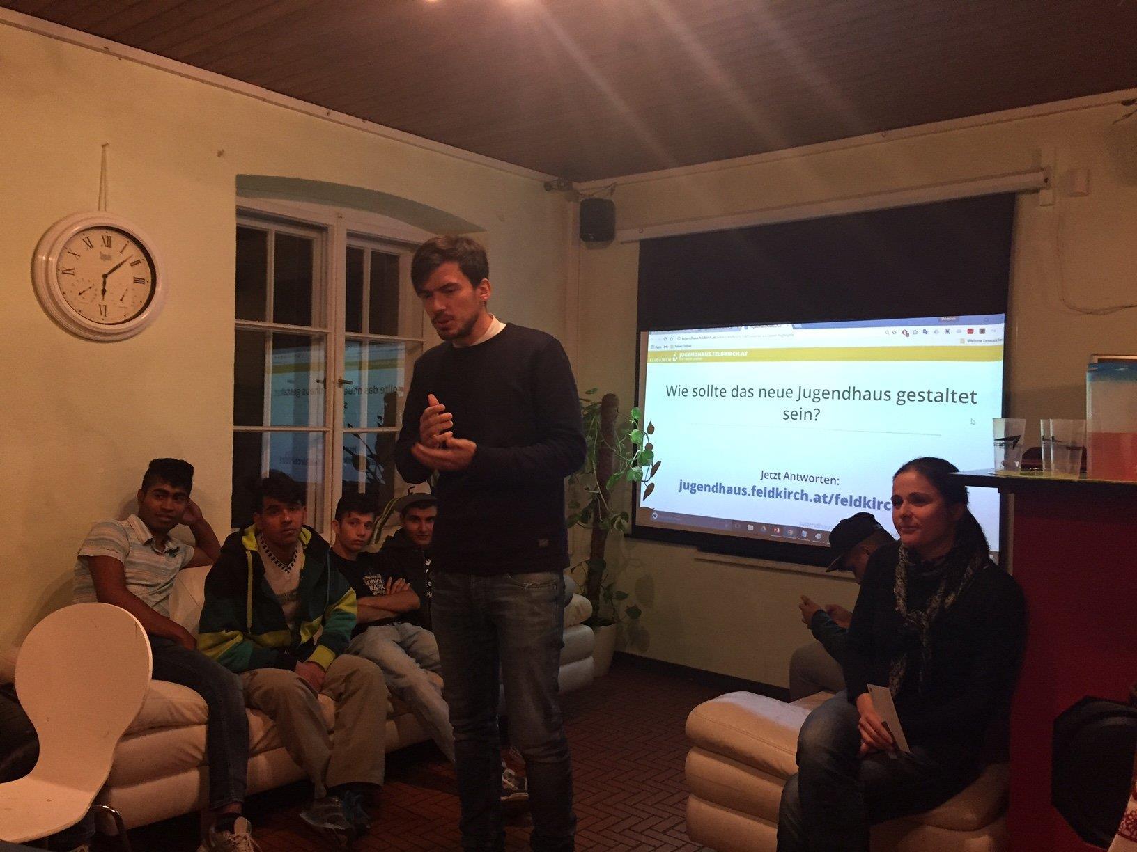 Christian Davepon erklärt den Mitgestaltungsprozess.