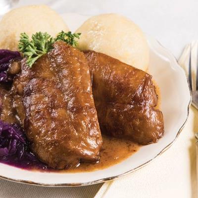 """Eine köstliche vegane Martinigans aus Karl Schillingers Kochbuch """"Schwein ohne Schwein""""."""