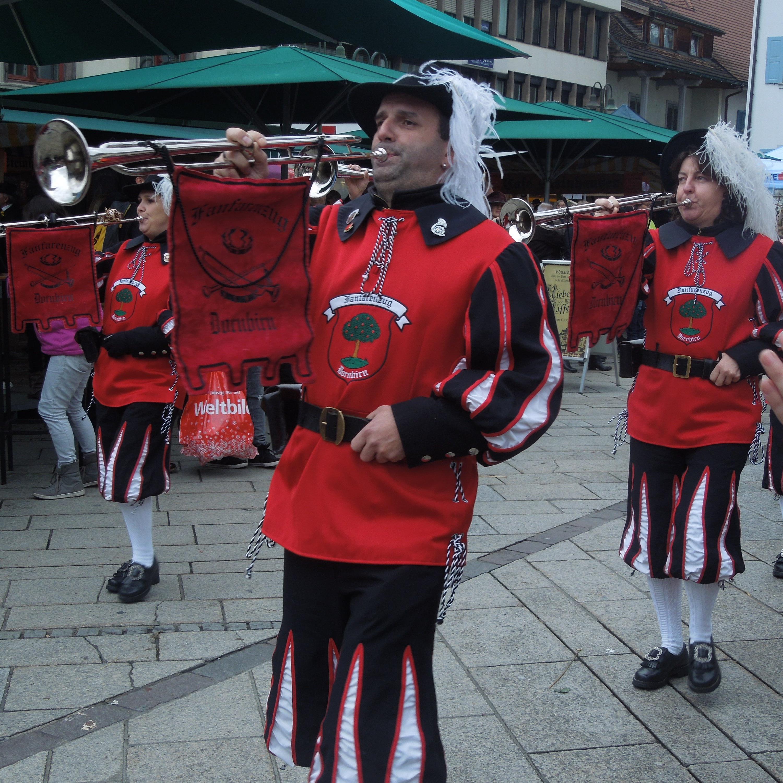 Der Fanfarenzug Dornbirn läutete offiziell den Dornbirner Fasching ein.