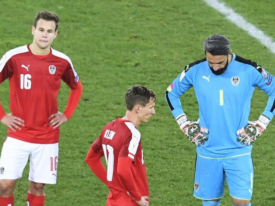 Hänge Köpfe nach der Niederlage des Nationalteams gegen Irland.
