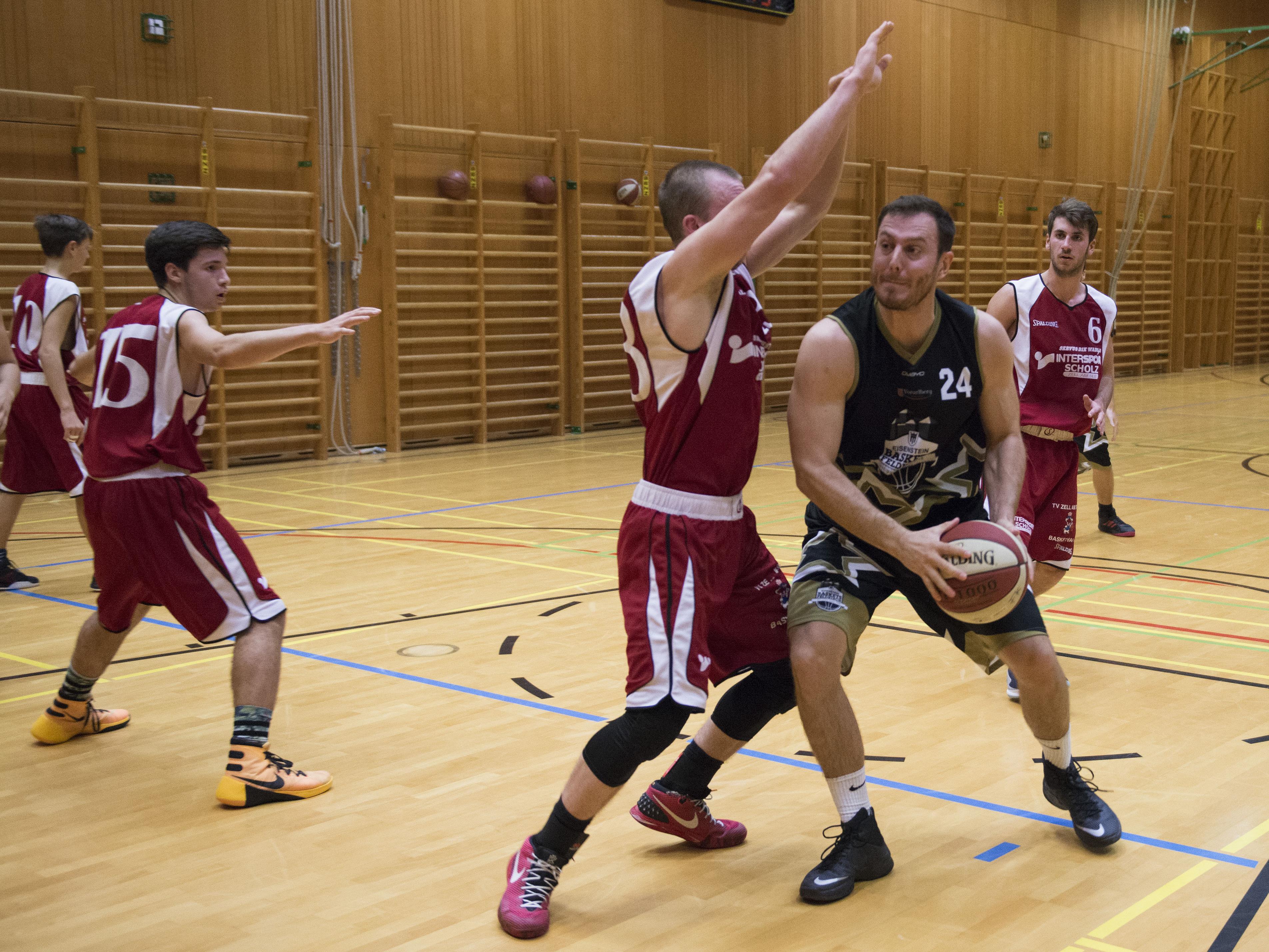 Hubert Dünser steuerte wertvolle Punkte zum Sieg der Eisenstein Baskets über Zell am See bei.