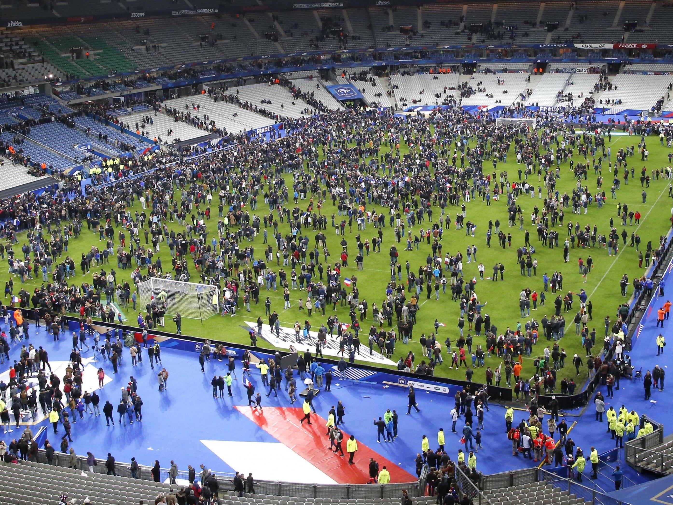 Ein Jahr nach den Terrorattacken von Paris spielt Frankreich im Stade de France gegen Schweden.