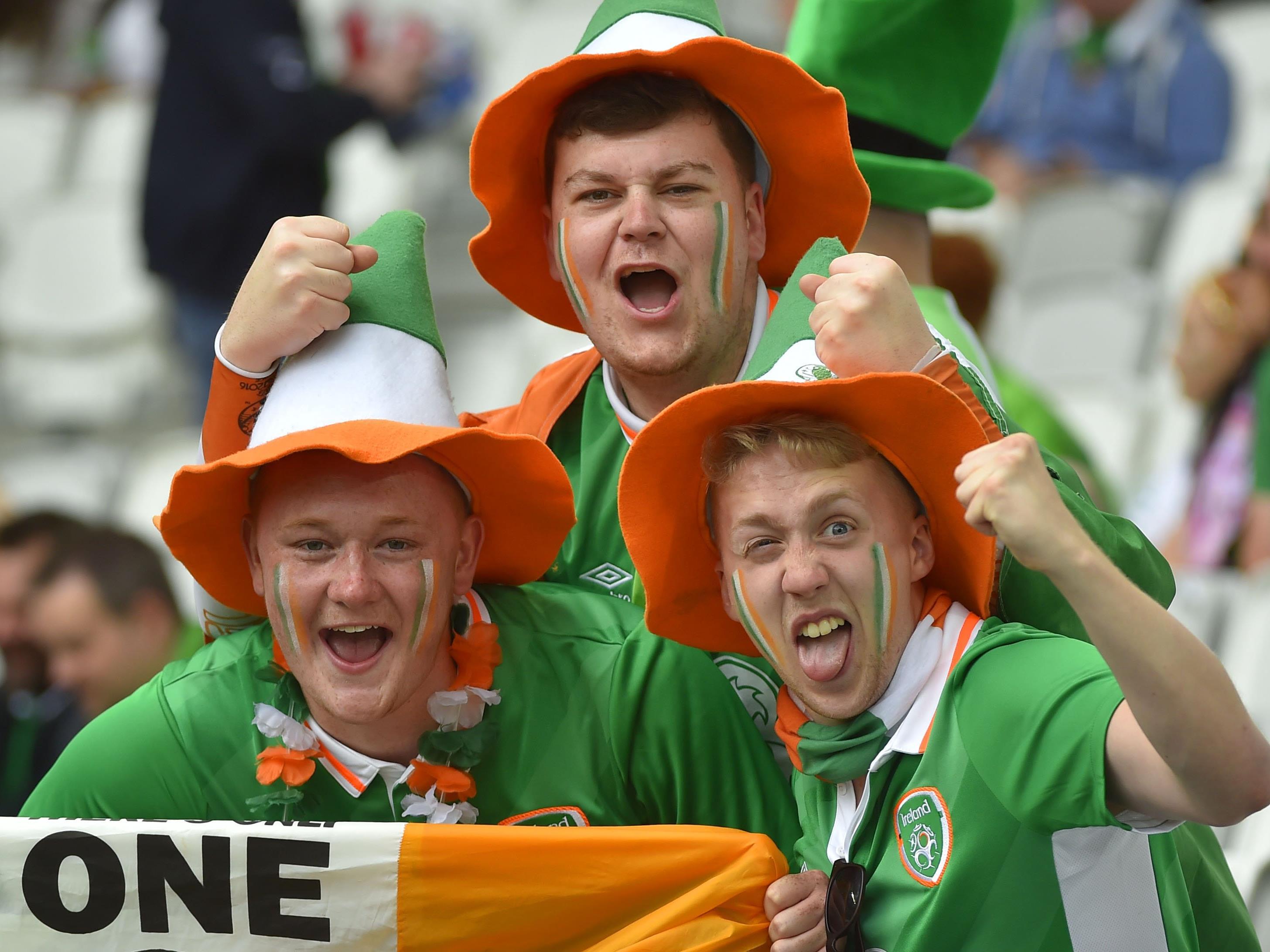 Verrückt und sympathisch: Die irischen Fußballfans.