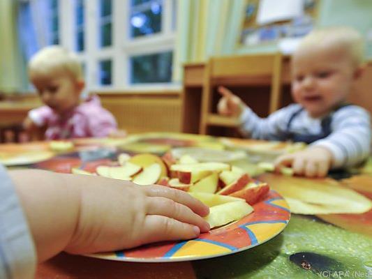 Das Land muss in der Kleinkinderbetreuung und bei den Kindergärten tätig werden, um vom neuen Finanzausgleich zu profitieren.