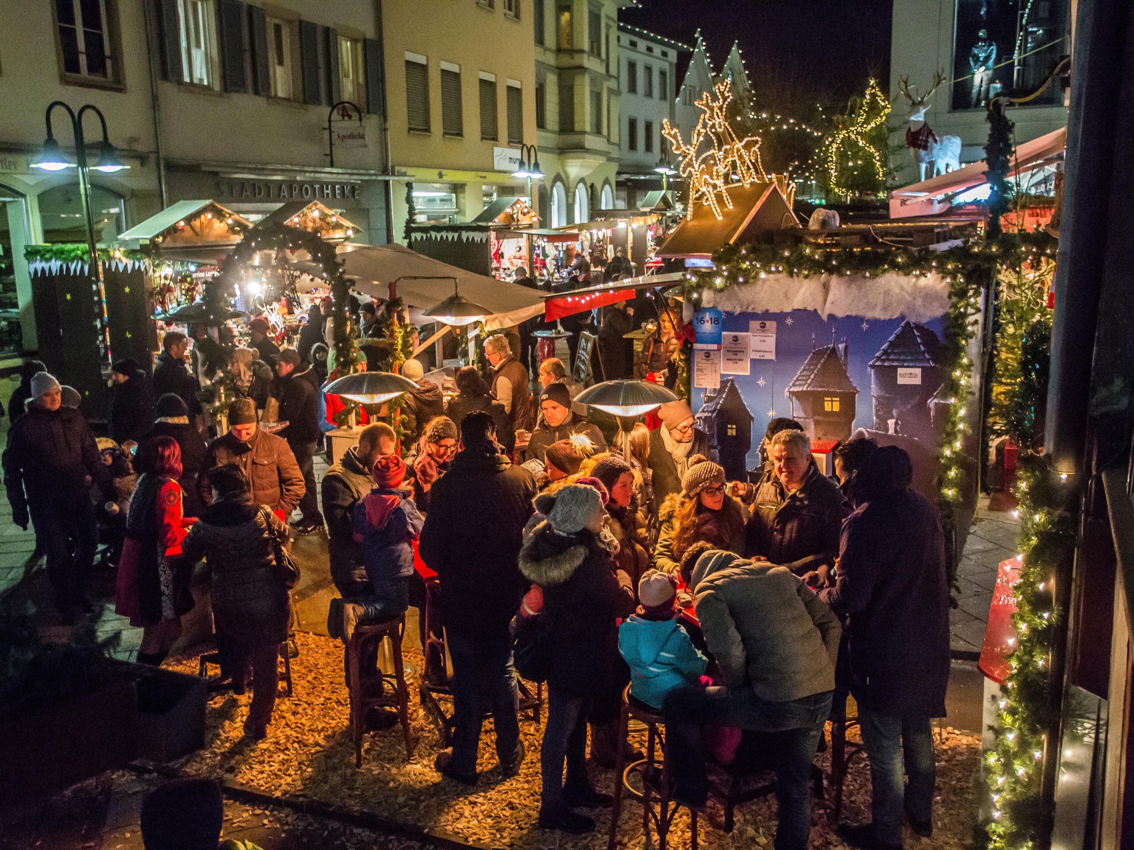 Der Weihnachtsmarkt in Dornbirn bietet ein abwechslungsreiches Programm.