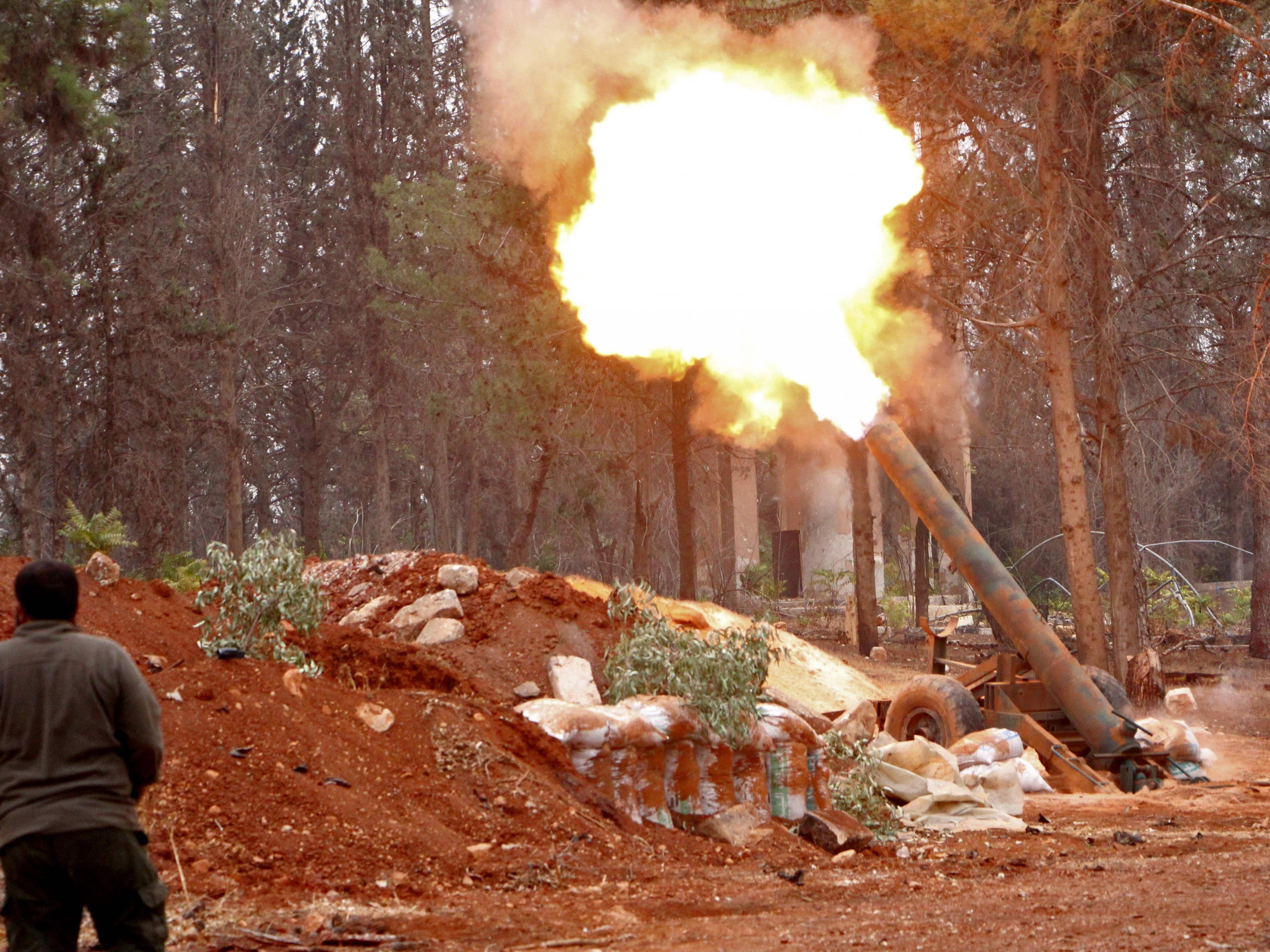 Kämpfe aus Damaskus, Hama und Aleppo gemeldet.