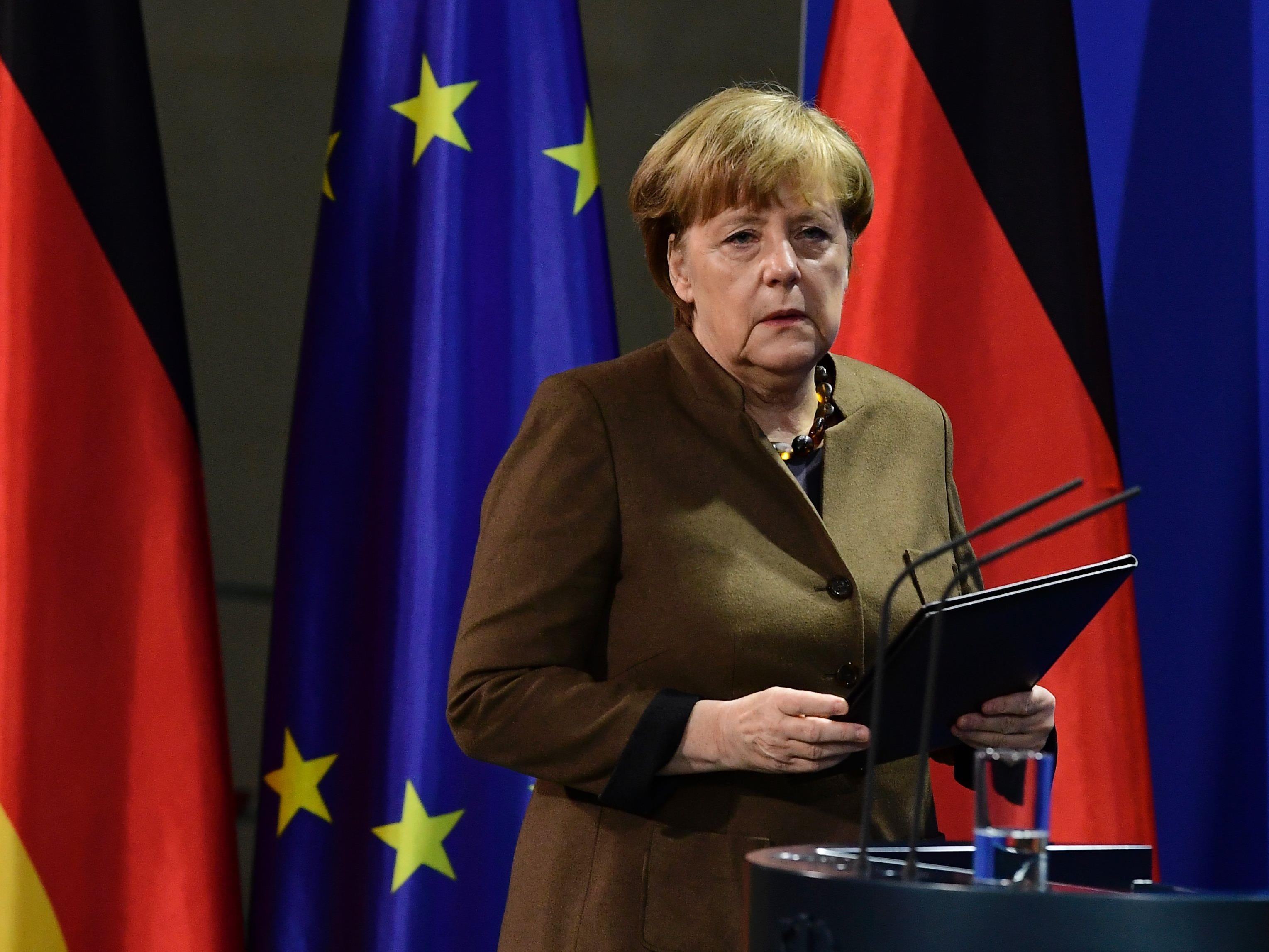 Merkel will die Abschiebungen beschleunigen