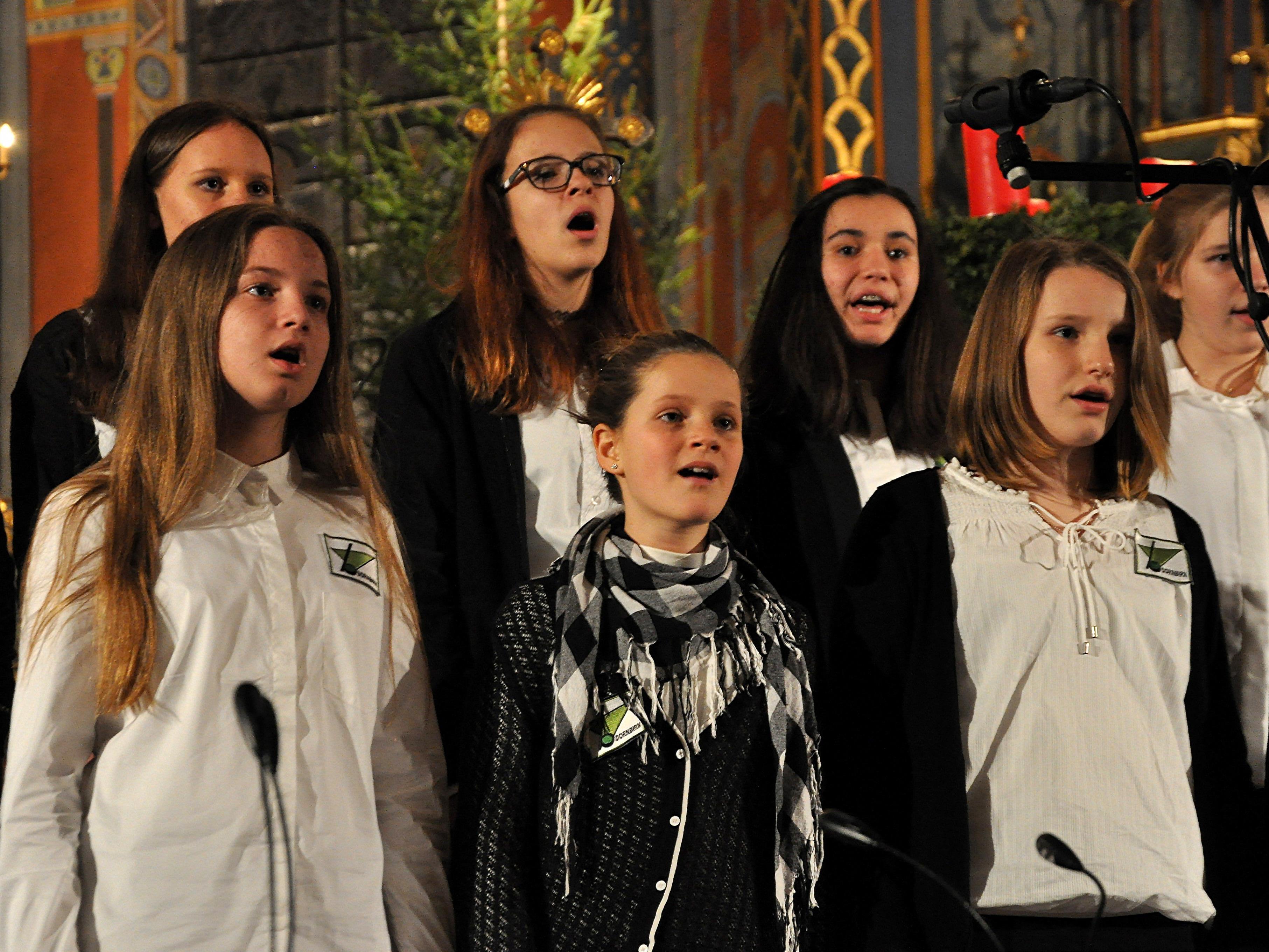 Die Musikmittelschüler stimmten mit ihrem Konzert auf Weihnachten ein.