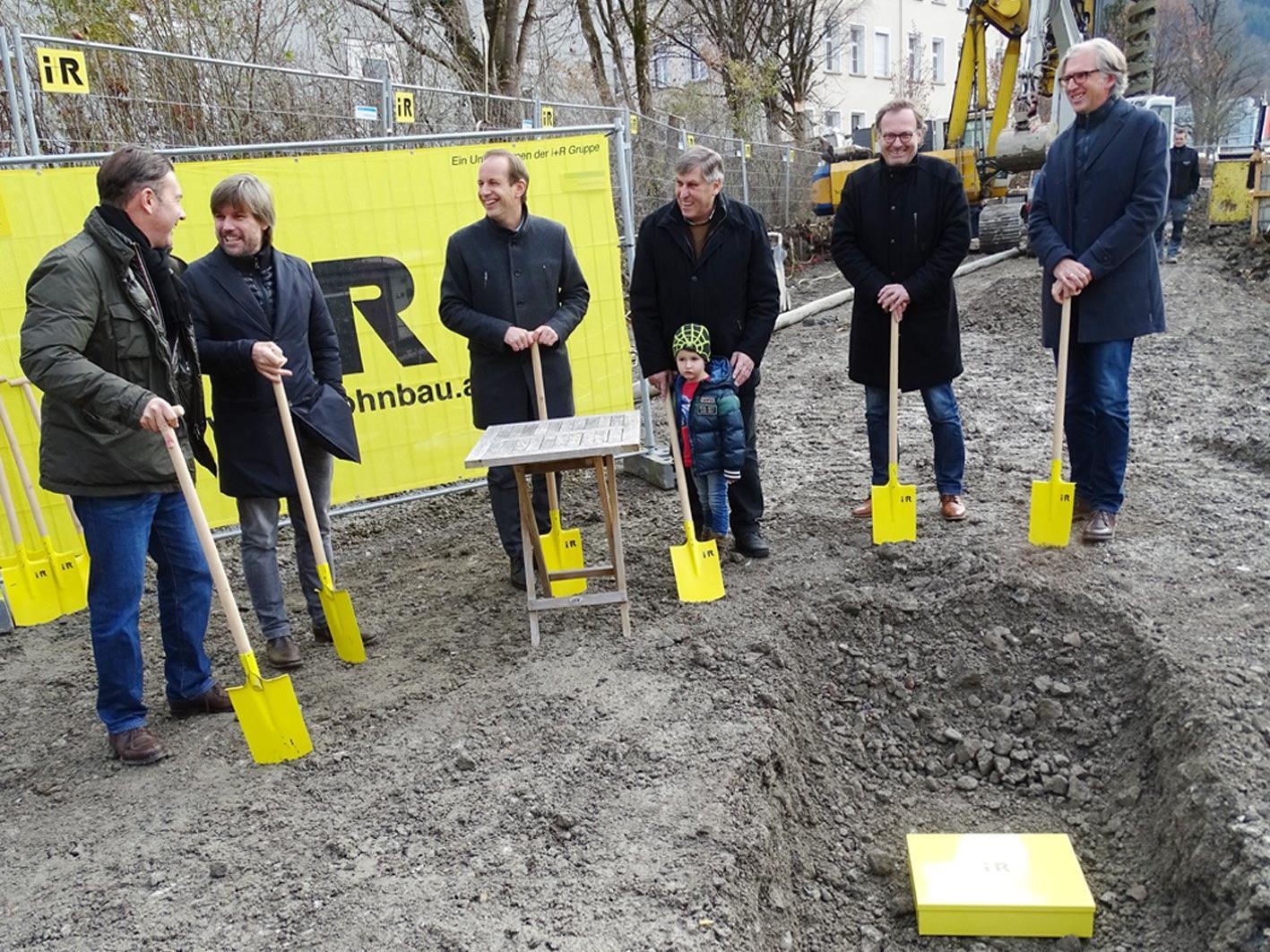 """Vor einer Woche erfolgte die Grundsteinlegung für das Wohnbauprojekt """"Am Emsbach""""."""